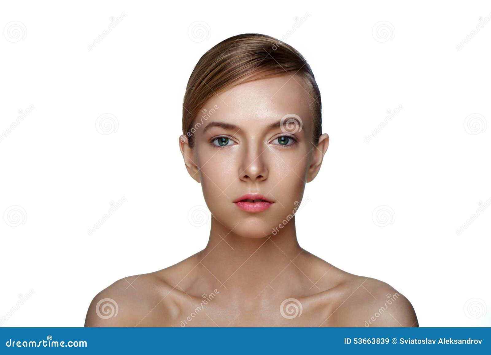 Schoon gezicht van mooie jonge vrouw Schoonheidsmeisje met perfecte Sk