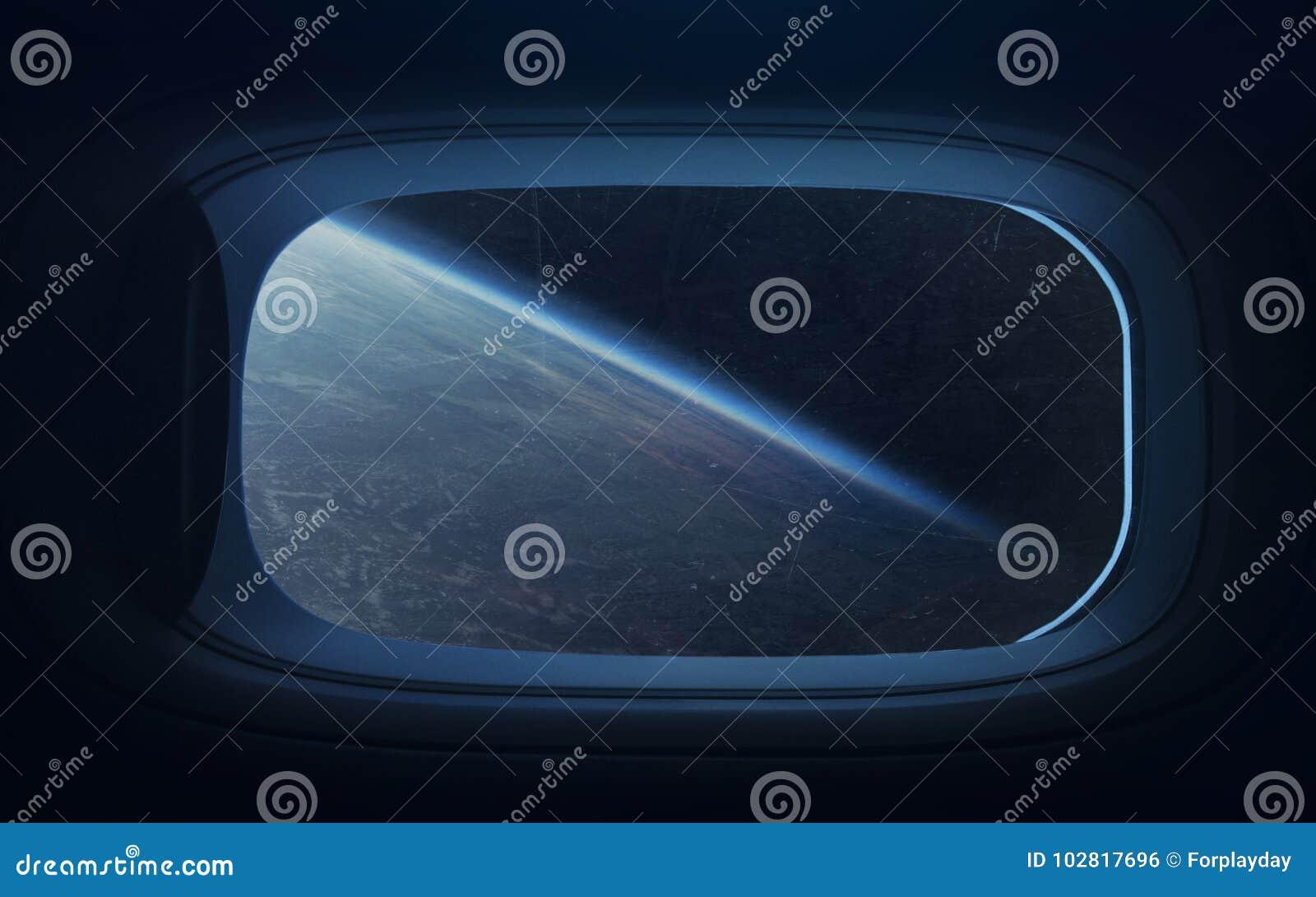 Schoonheid van Aardeplaneet in ruimteschipvenster Elementen van dit die beeld door NASA wordt geleverd