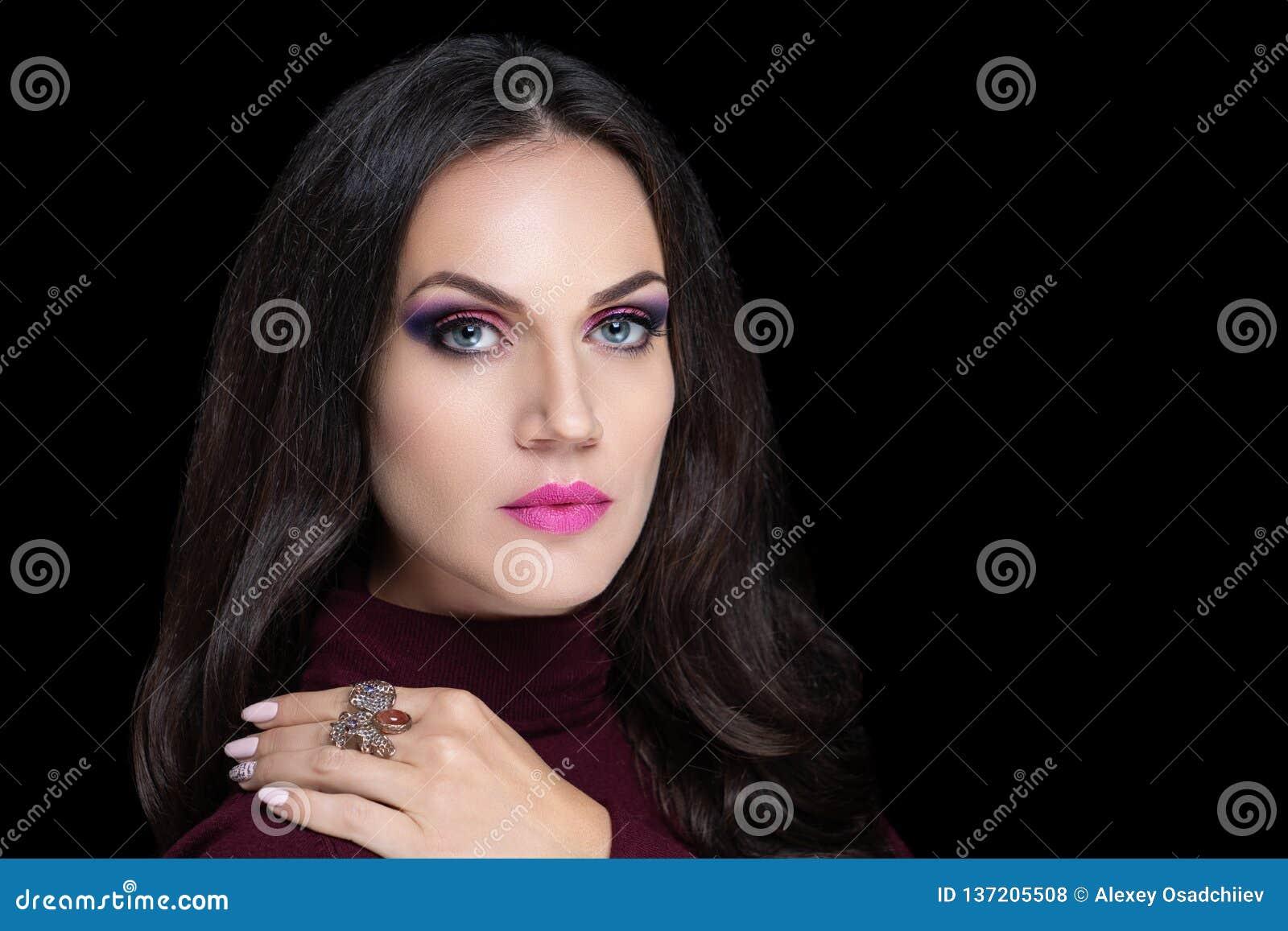 Schoonheids donkerbruin gezicht