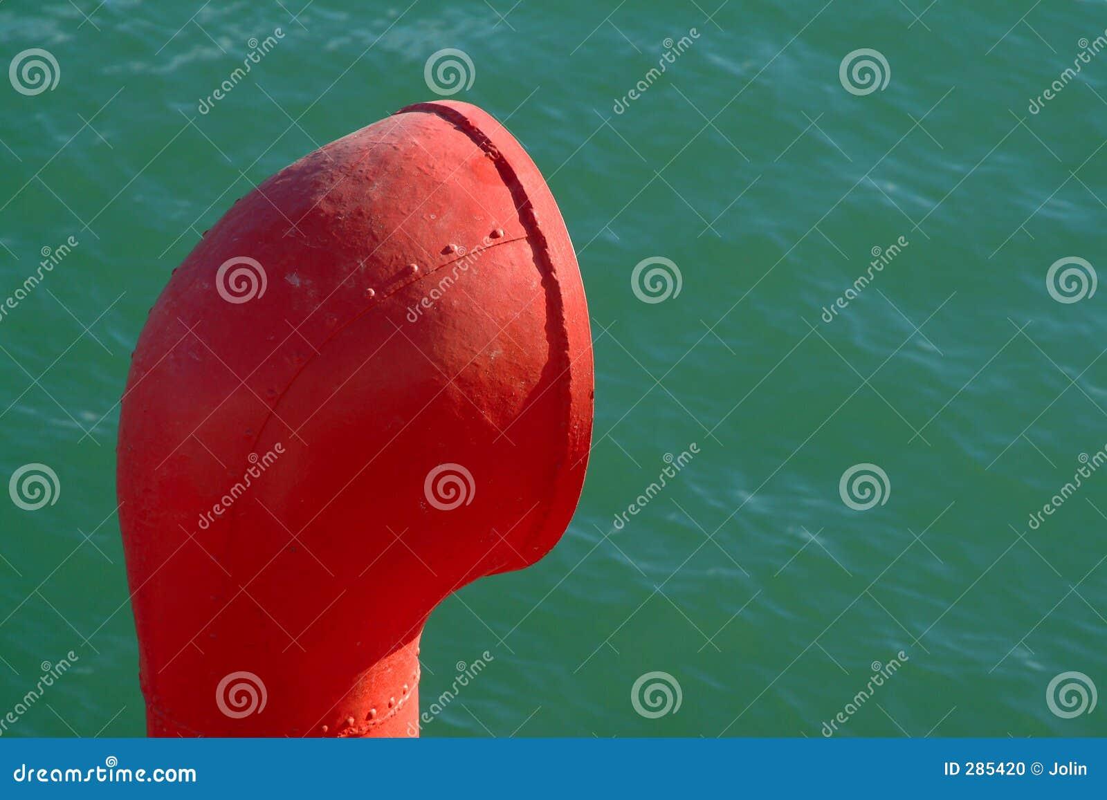 Schoorsteen van boot