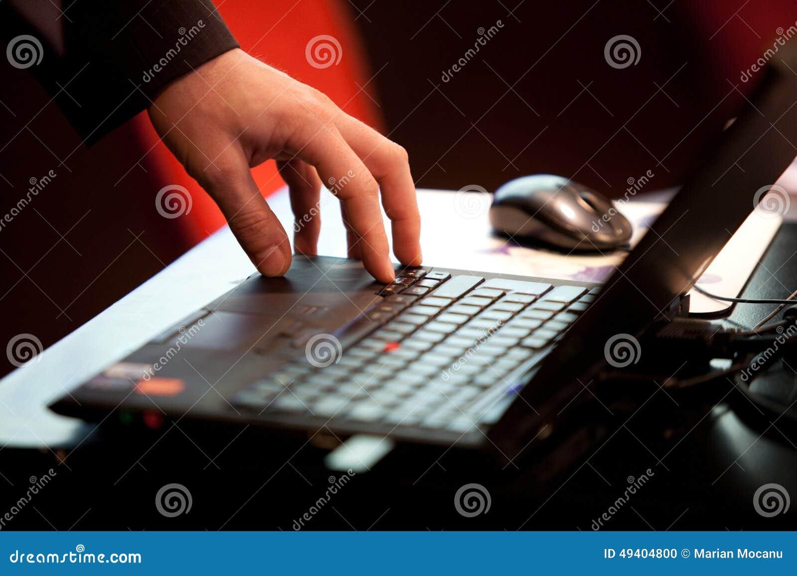 Download Schreiben stockfoto. Bild von verwenden, finger, nearsighted - 49404800