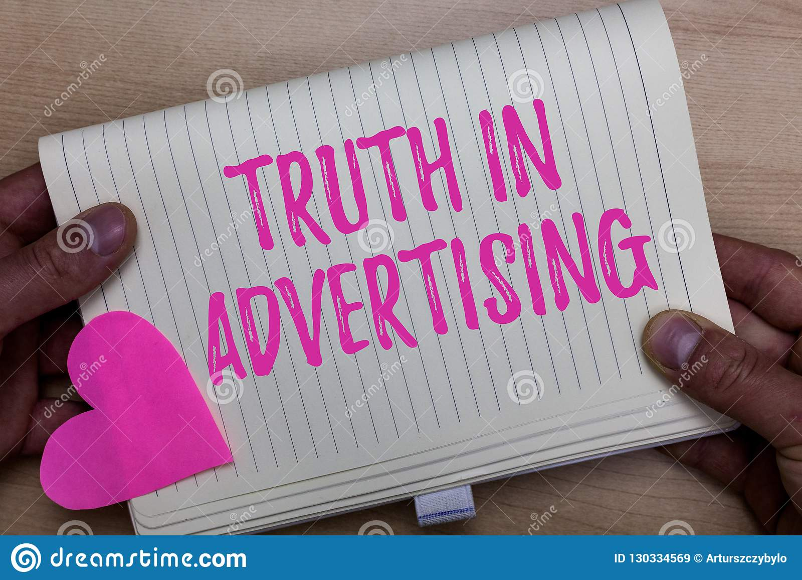 Schreibensanmerkung, die Wahrheit in der Werbung zeigt Geschäftsfoto Präsentationspraxis-ehrliche Anzeigen-Werbepropaganda