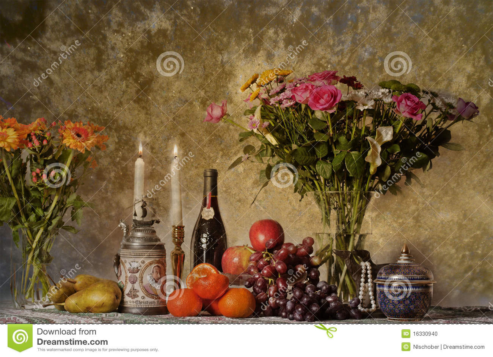 Citaten Uit Klassieke Oudheid : Schrijver uit de klassieke oudheid nog ife met bloemen en