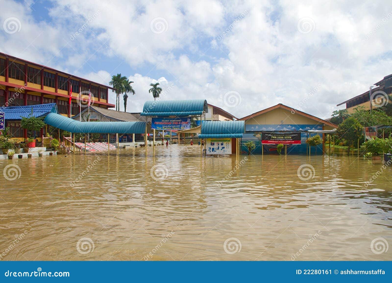 Schule in der Flut