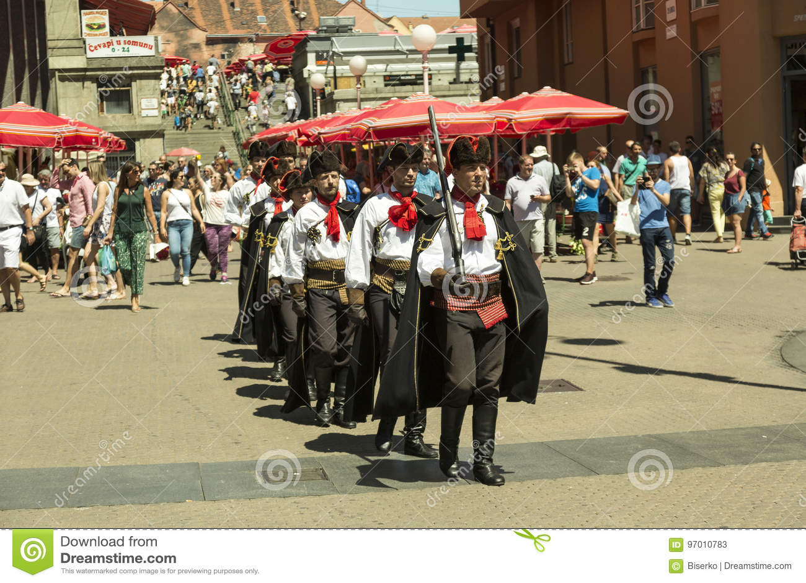 Schutz der Ehre am Hauptplatz in Zagreb, Kroatien