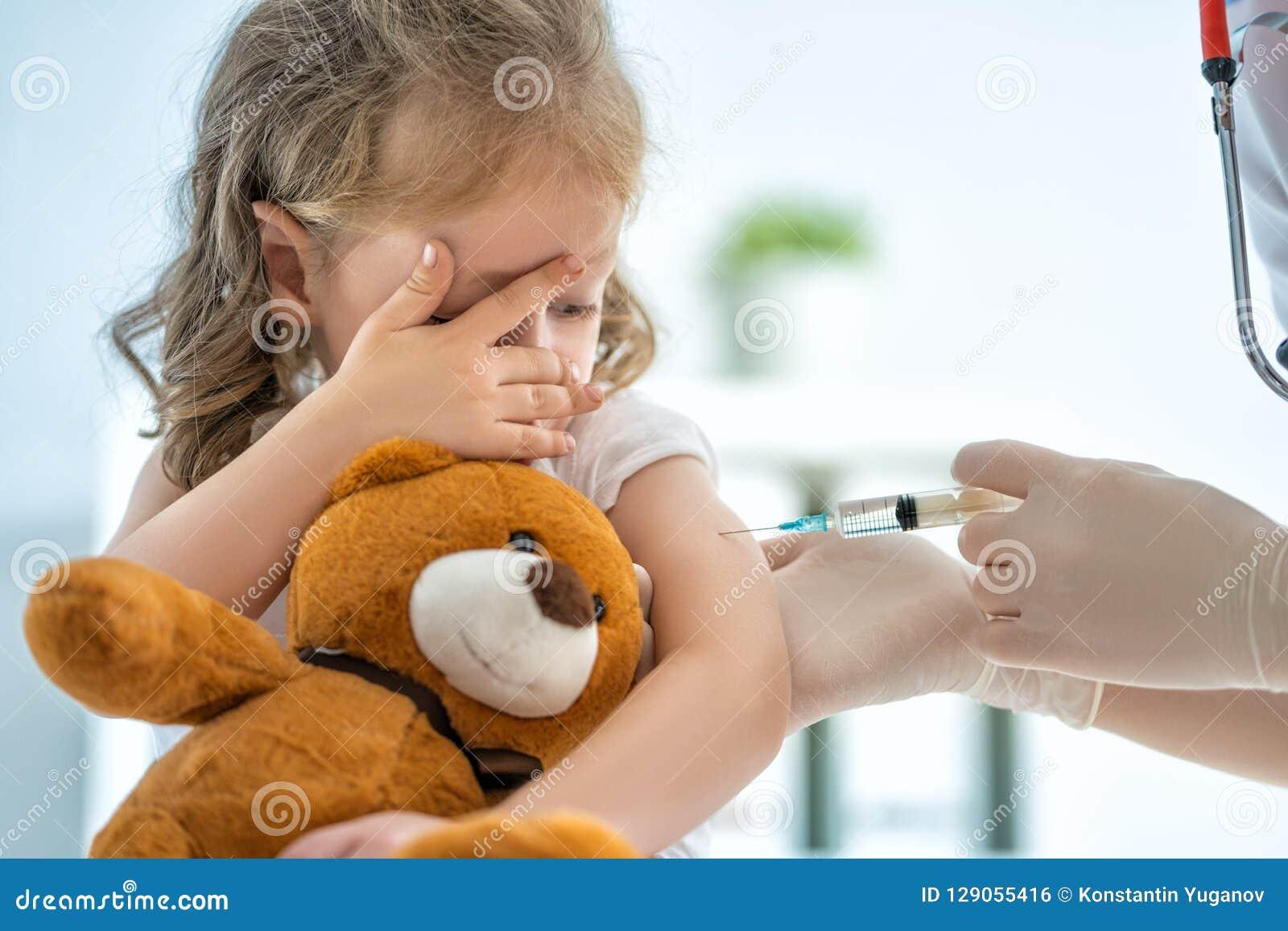 Schutzimpfung zu einem Kind