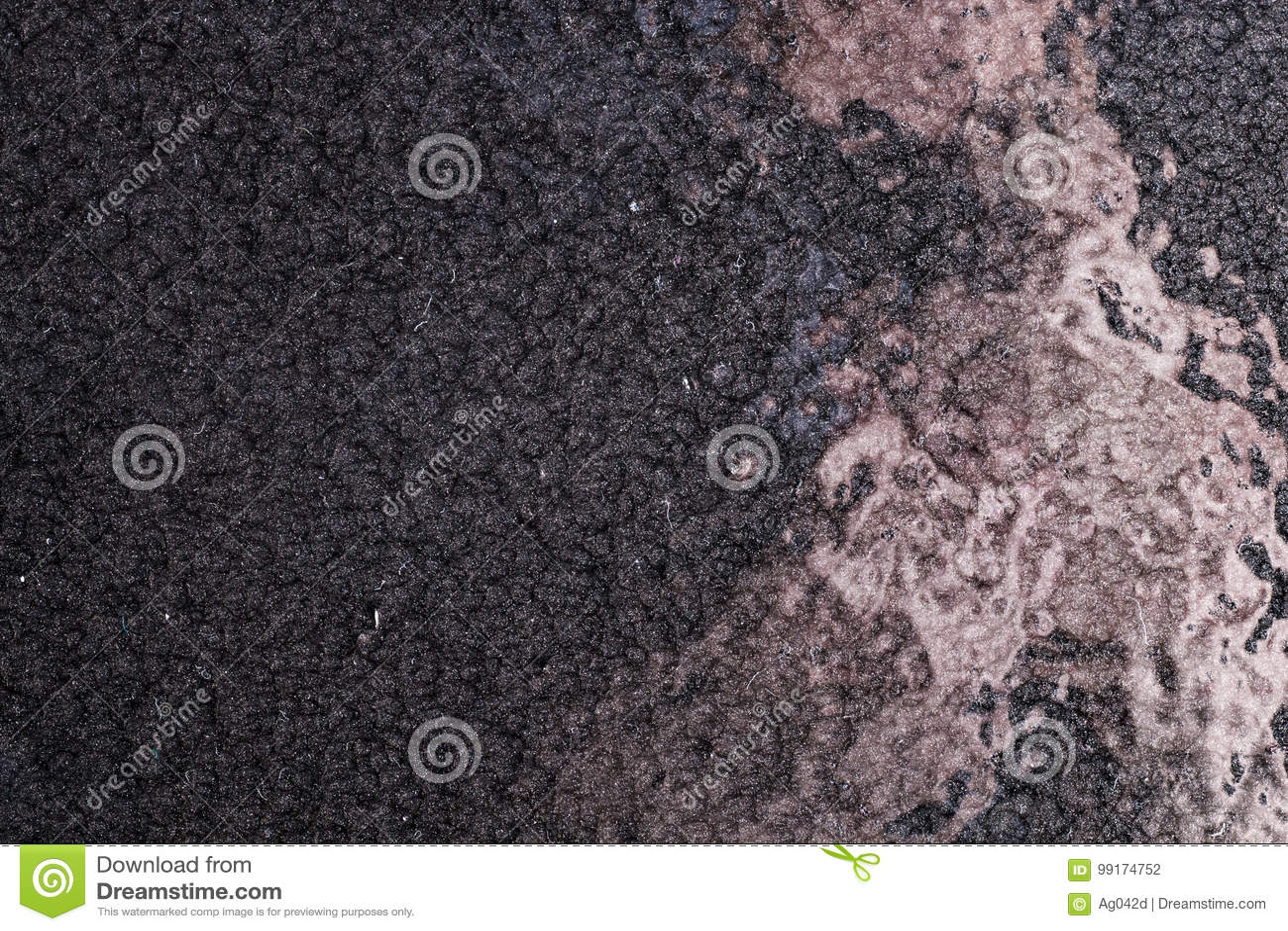 Schwärzen Sie gehämmerten Metallhintergrund, metallische Beschaffenheit der Zusammenfassung, das Blatt der Metalloberfläche gemal