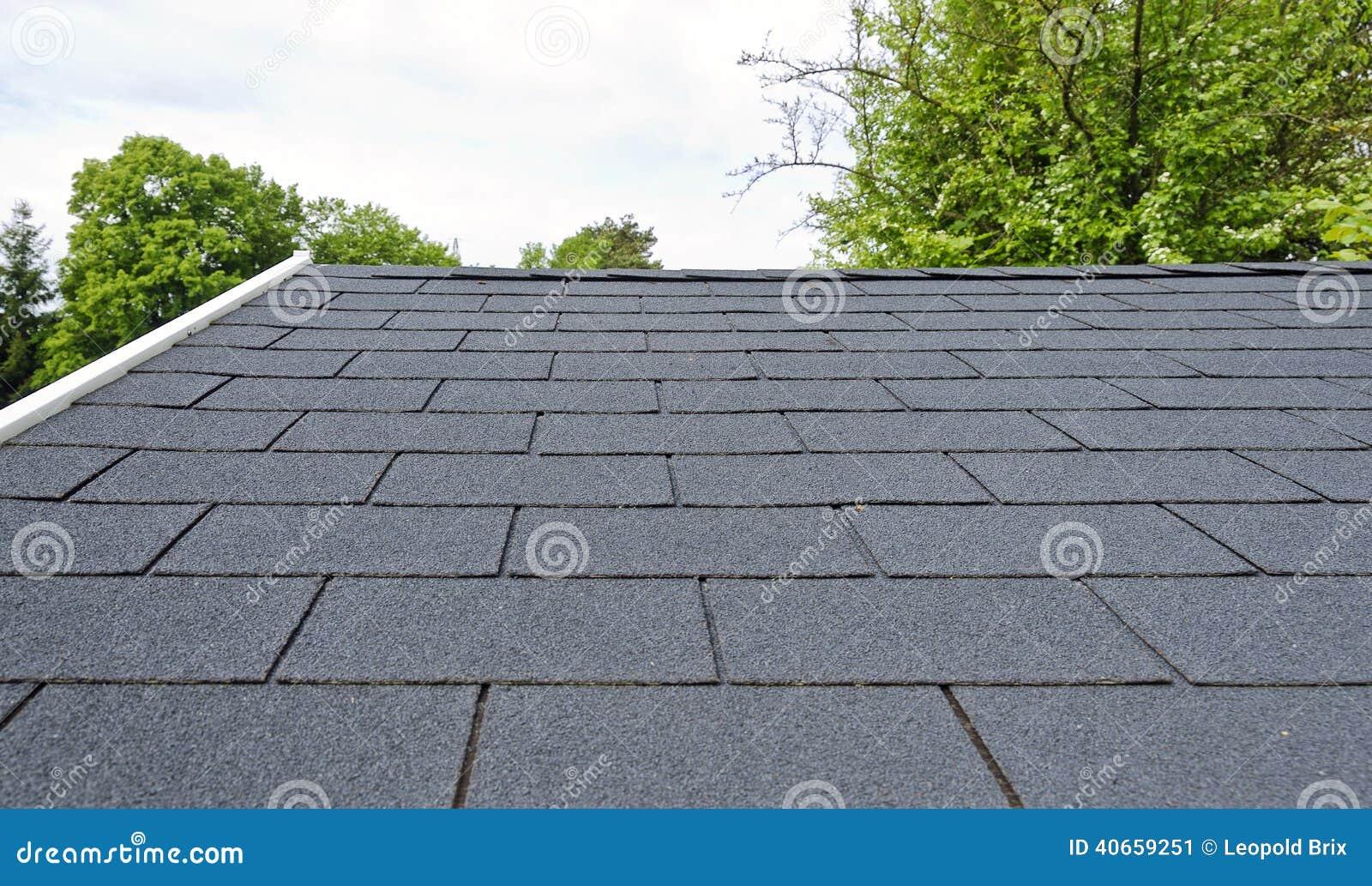 schwarze bitumendachschindeln stockbild bild von schindel schwarzes 40659251. Black Bedroom Furniture Sets. Home Design Ideas