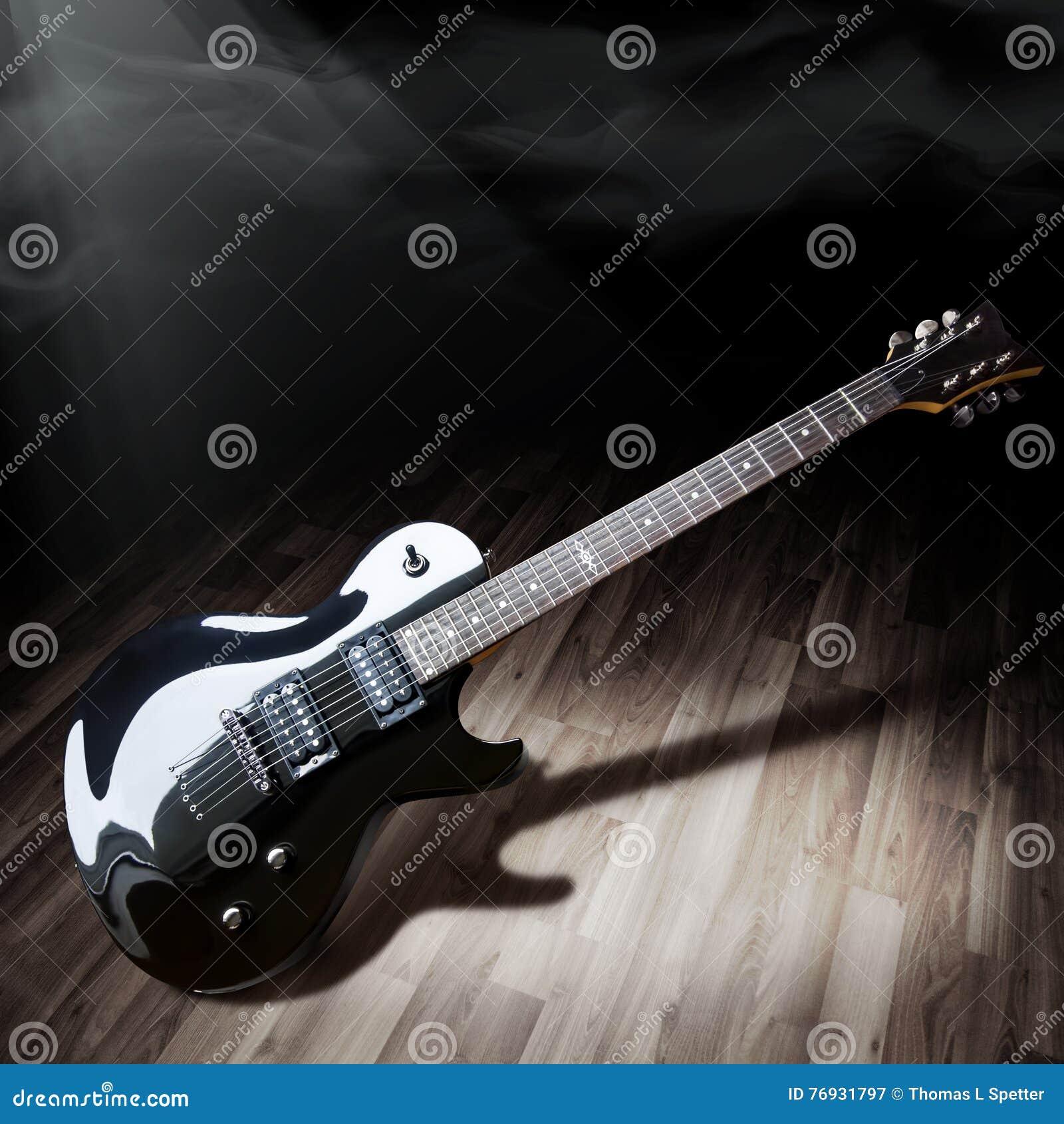 Schwarze elektrische Gitarre