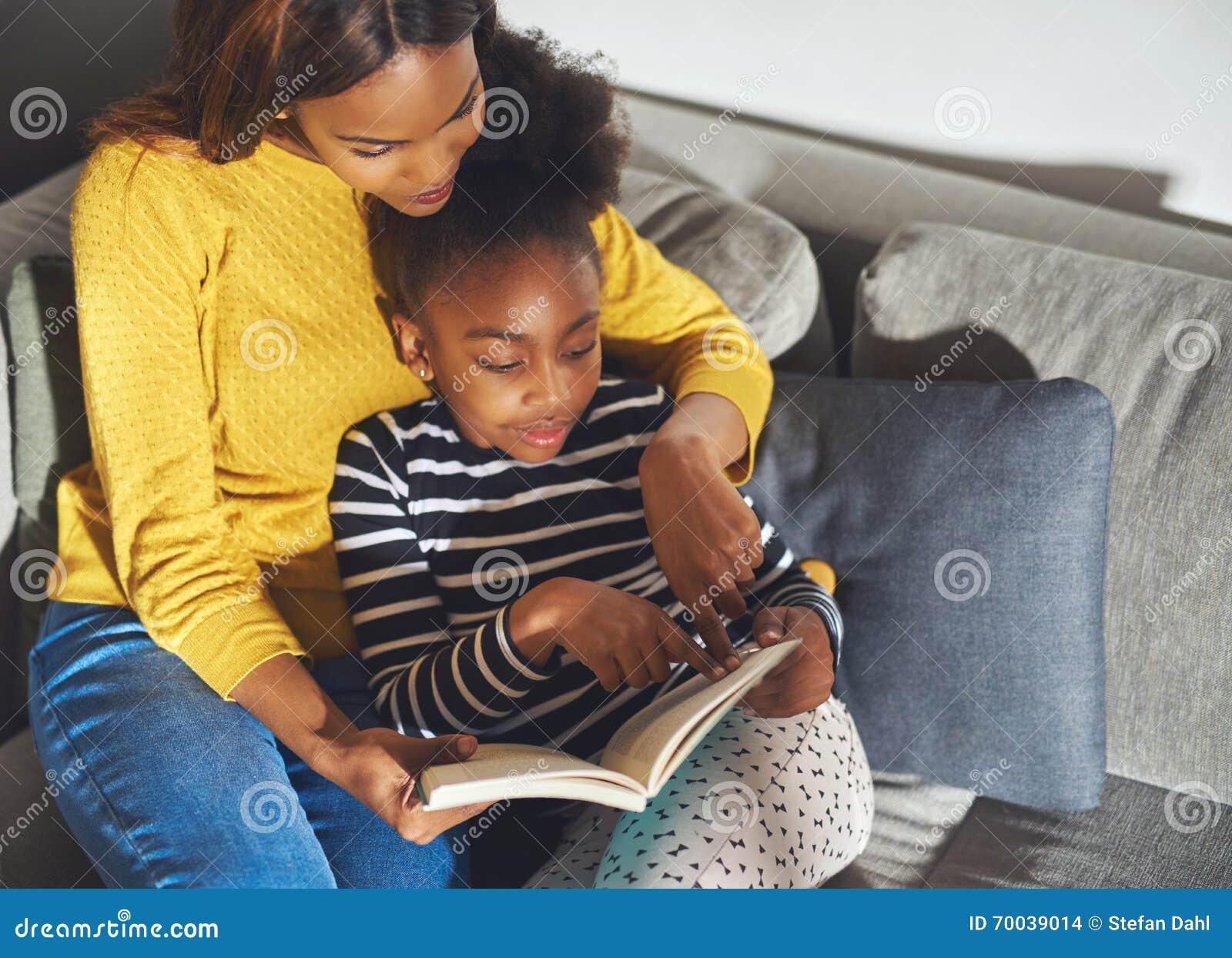 Scharfe Schwarze Mutter