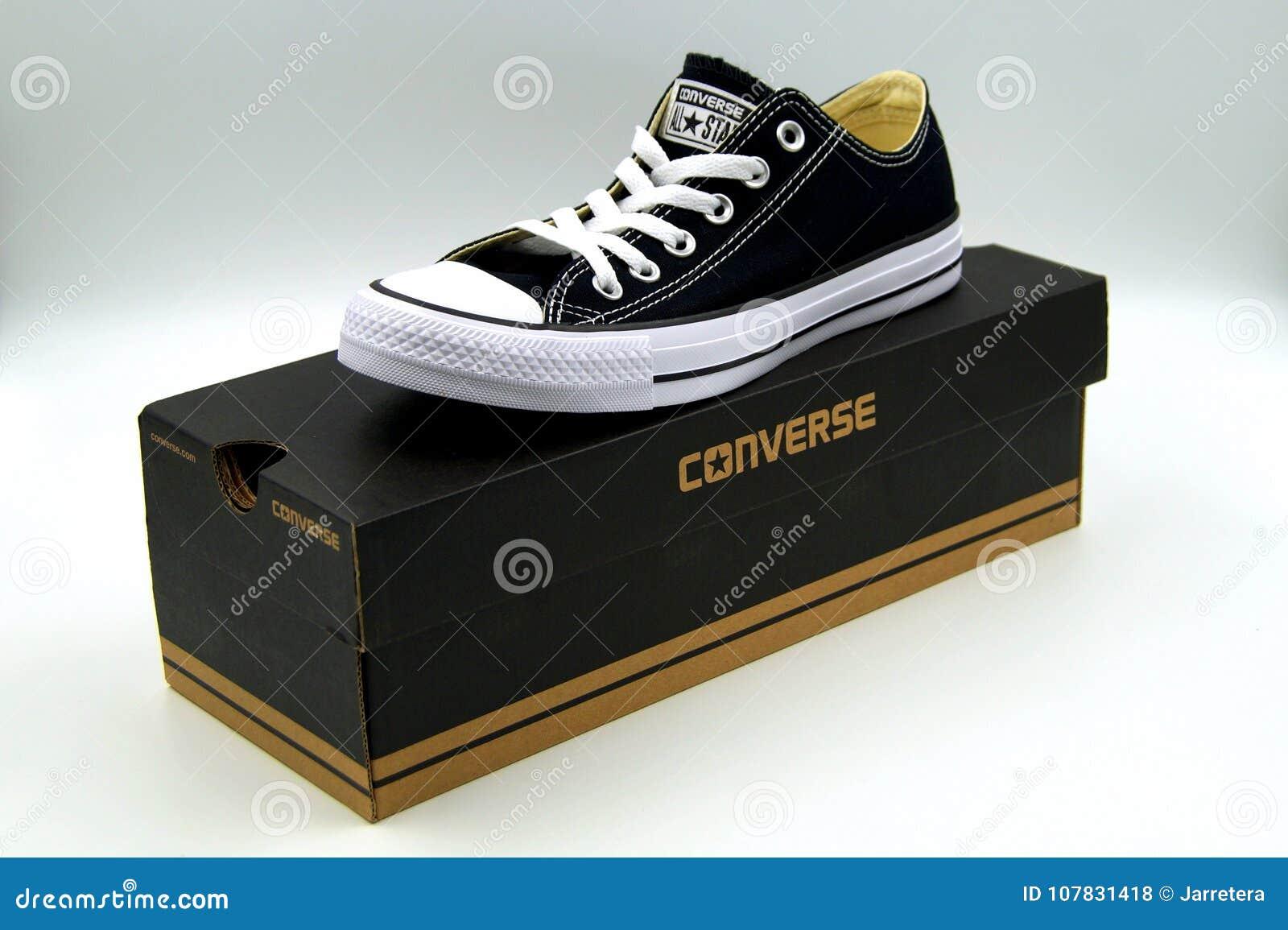 Converse All Star Chuck Taylor Stockfotos & Converse All