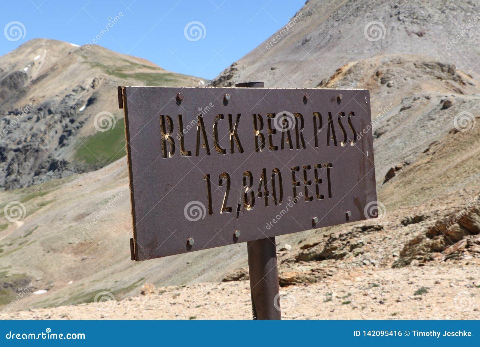 Schwarzer Bärn-Durchlauf-Gipfel-Aufzug-Markierung