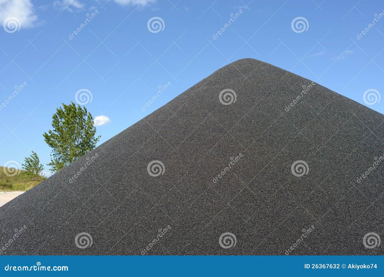 Schwarzer Kiesdamm