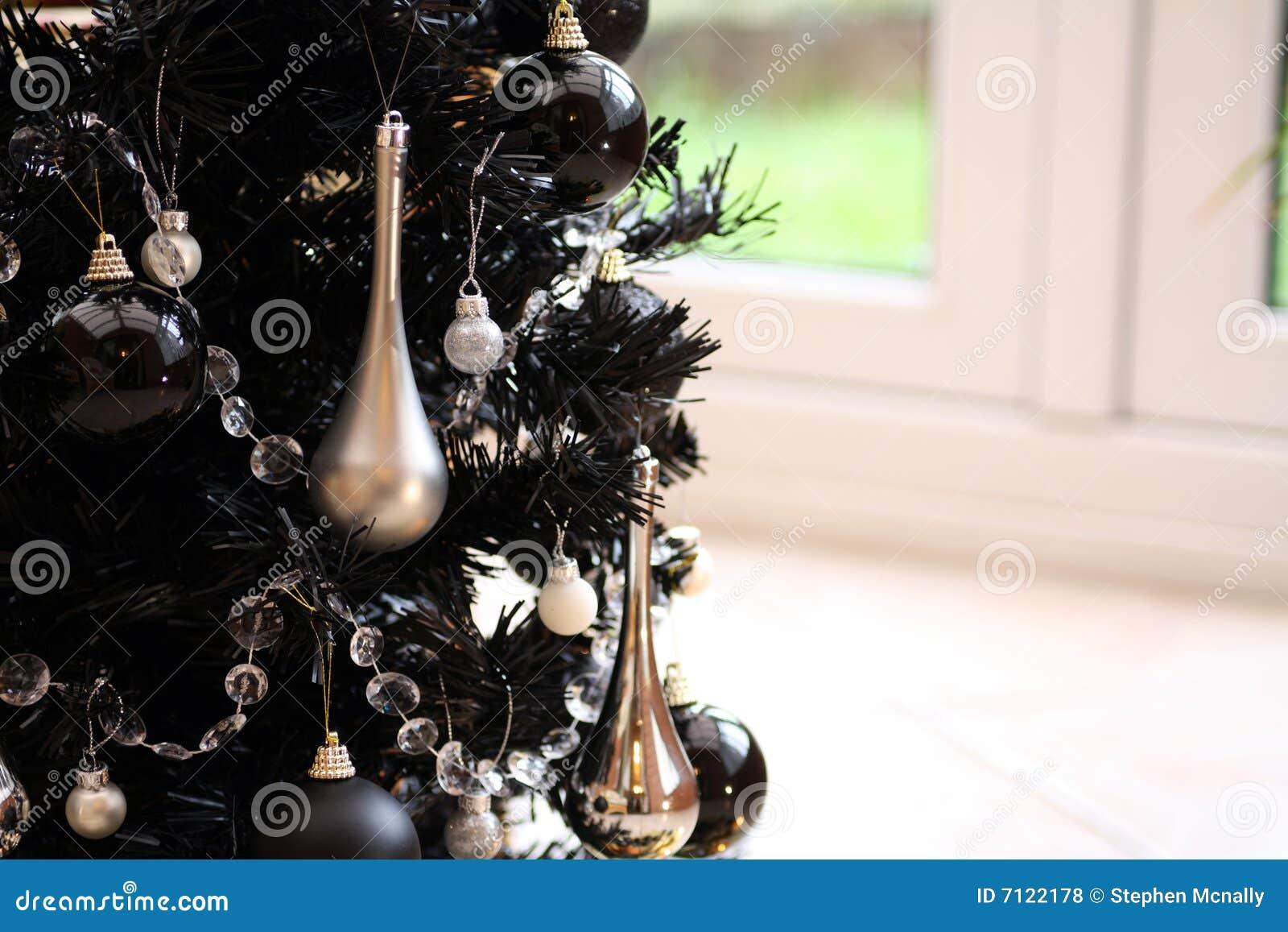 Schwarzer weihnachtsbaum stockfoto bild von festlich 7122178 - Schwarzer weihnachtsbaum ...