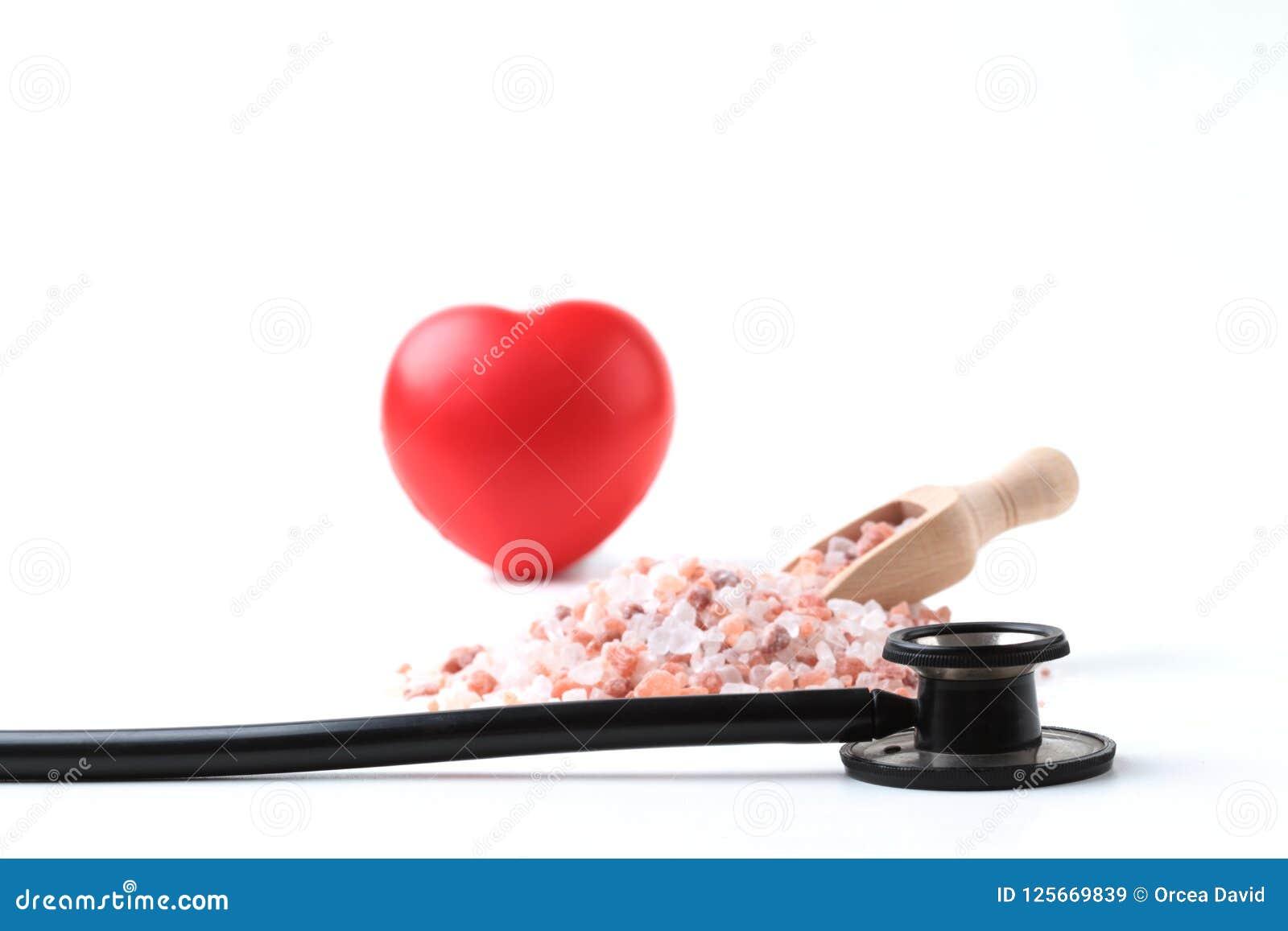Schwarzes Stethoskop mit Herzen