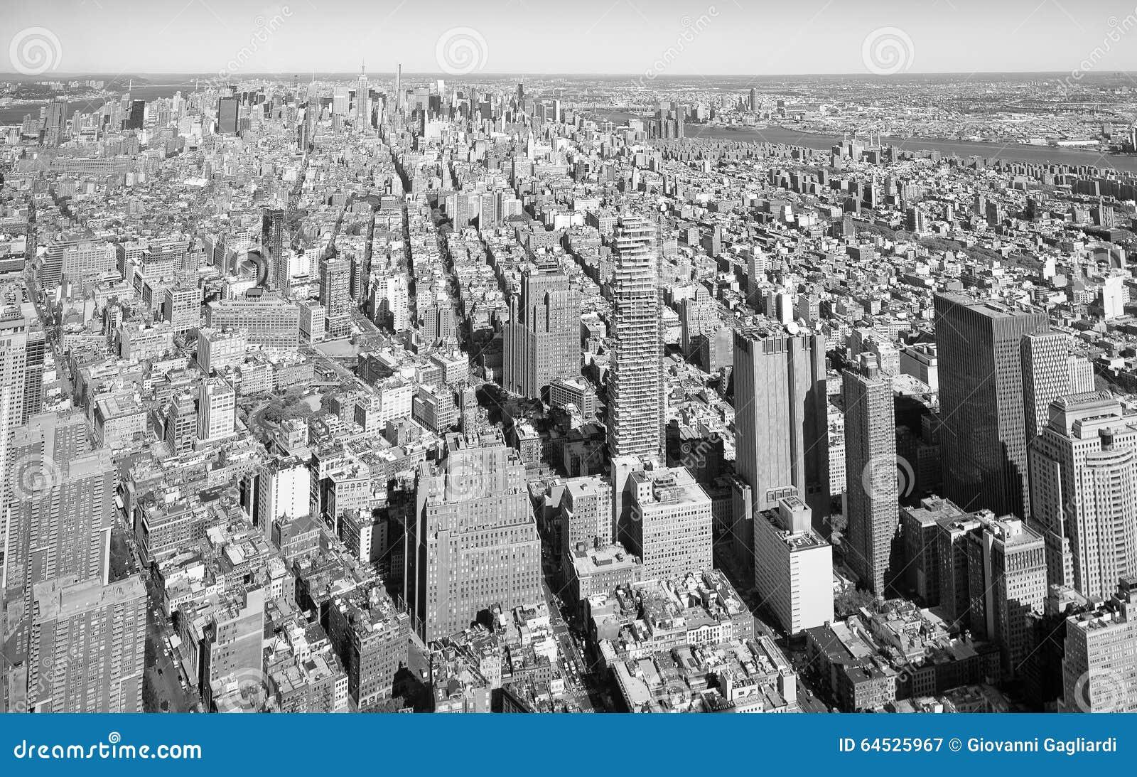 schwarzweiss skyline von manhattan new york city usa stockfoto bild 64525967. Black Bedroom Furniture Sets. Home Design Ideas