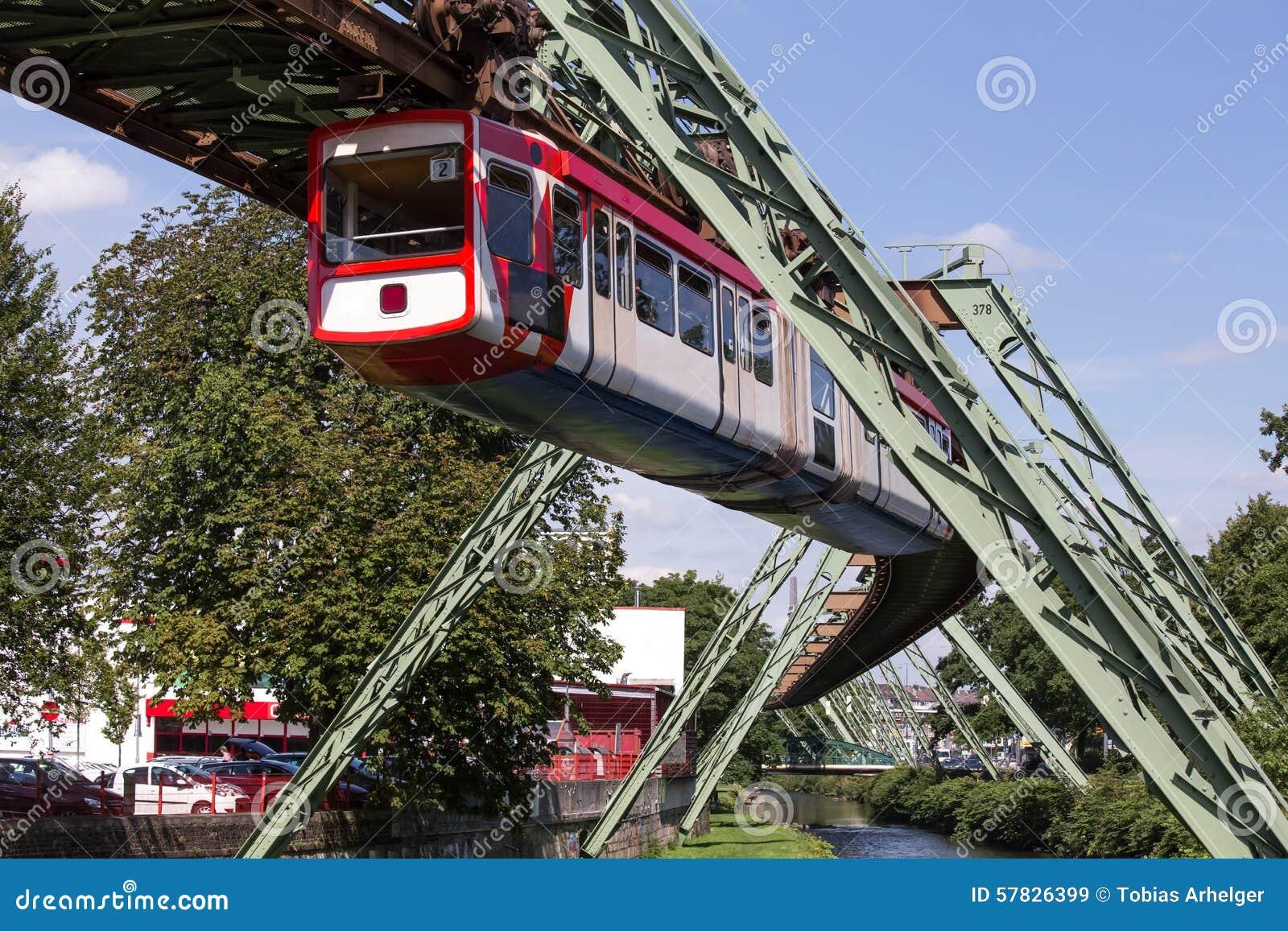 Schwebebahn-Zug In Wuppertal Deutschland Stockbild - Bild von