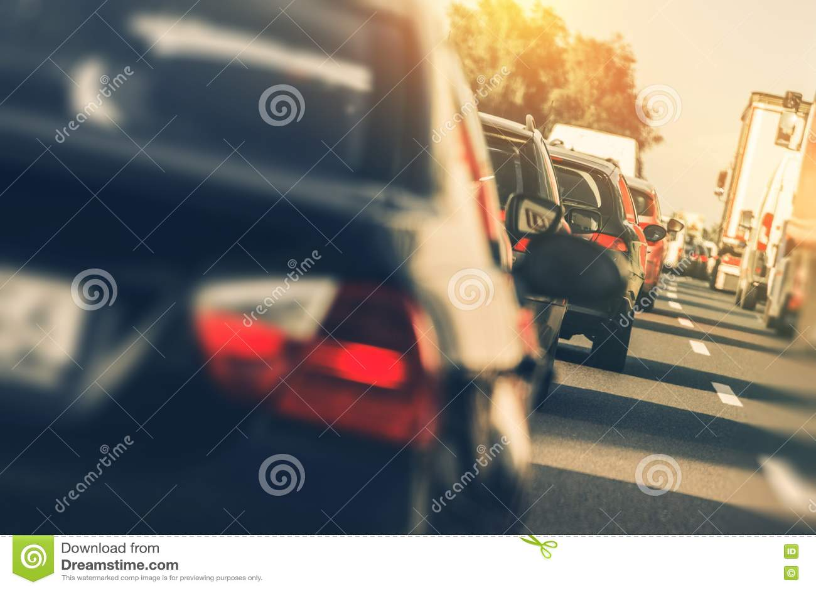 Schwerer Landstraßen-Verkehr
