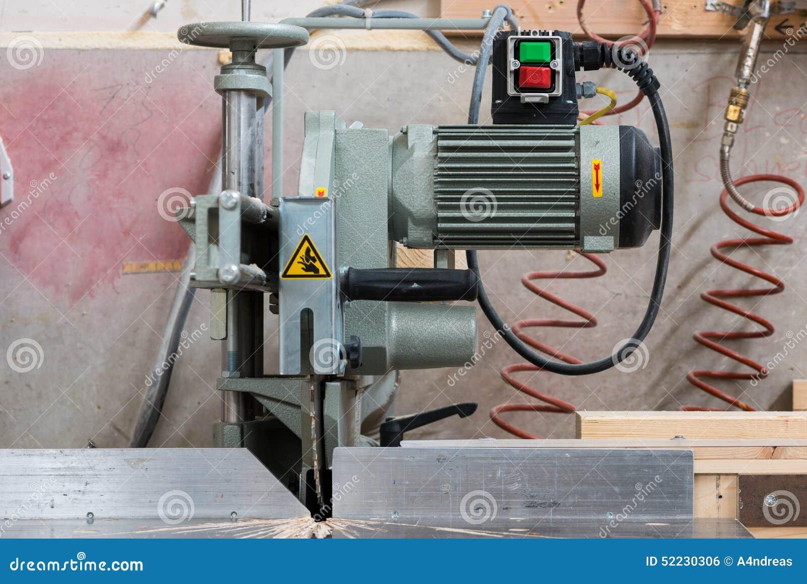 Scie circulaire fixe de bourdonnement avec le moteur électrique