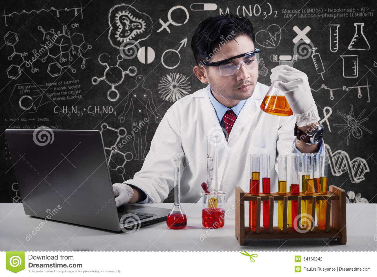 how to become a scientist in chemistry
