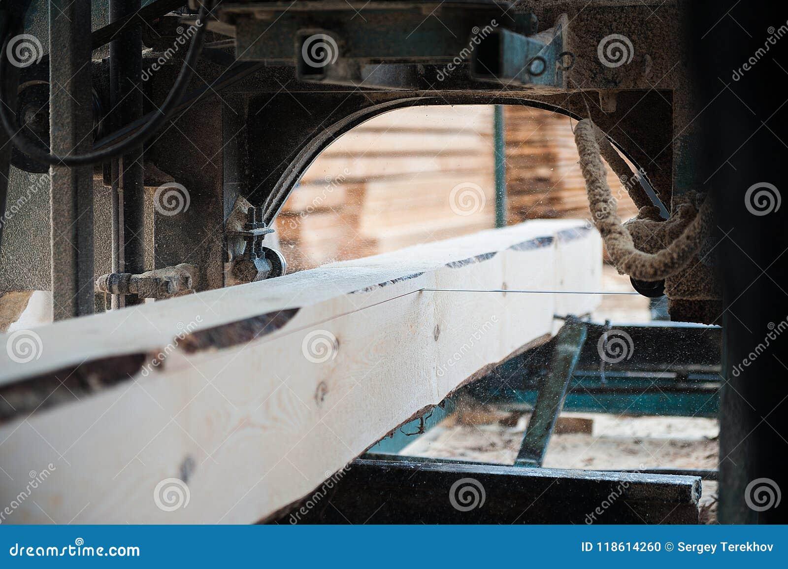 Scierie Utilisé pour couper le bois sur des conseils