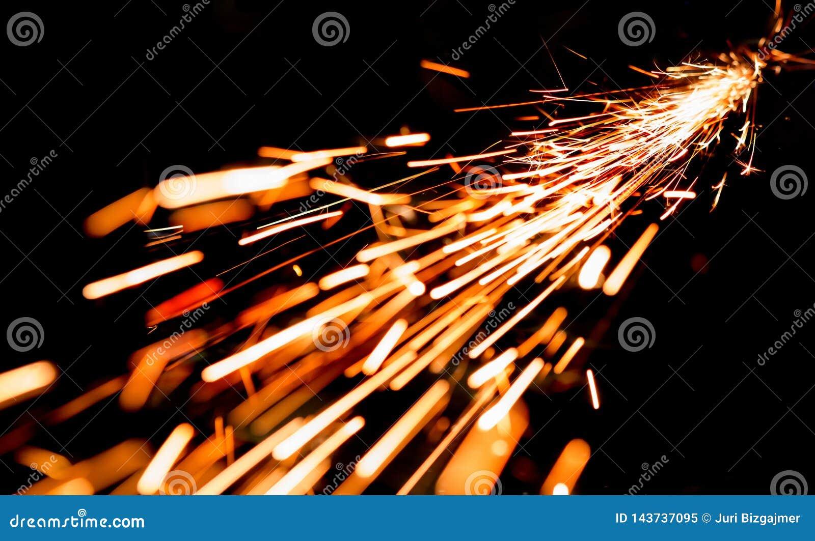 Scintille luminose di metallo