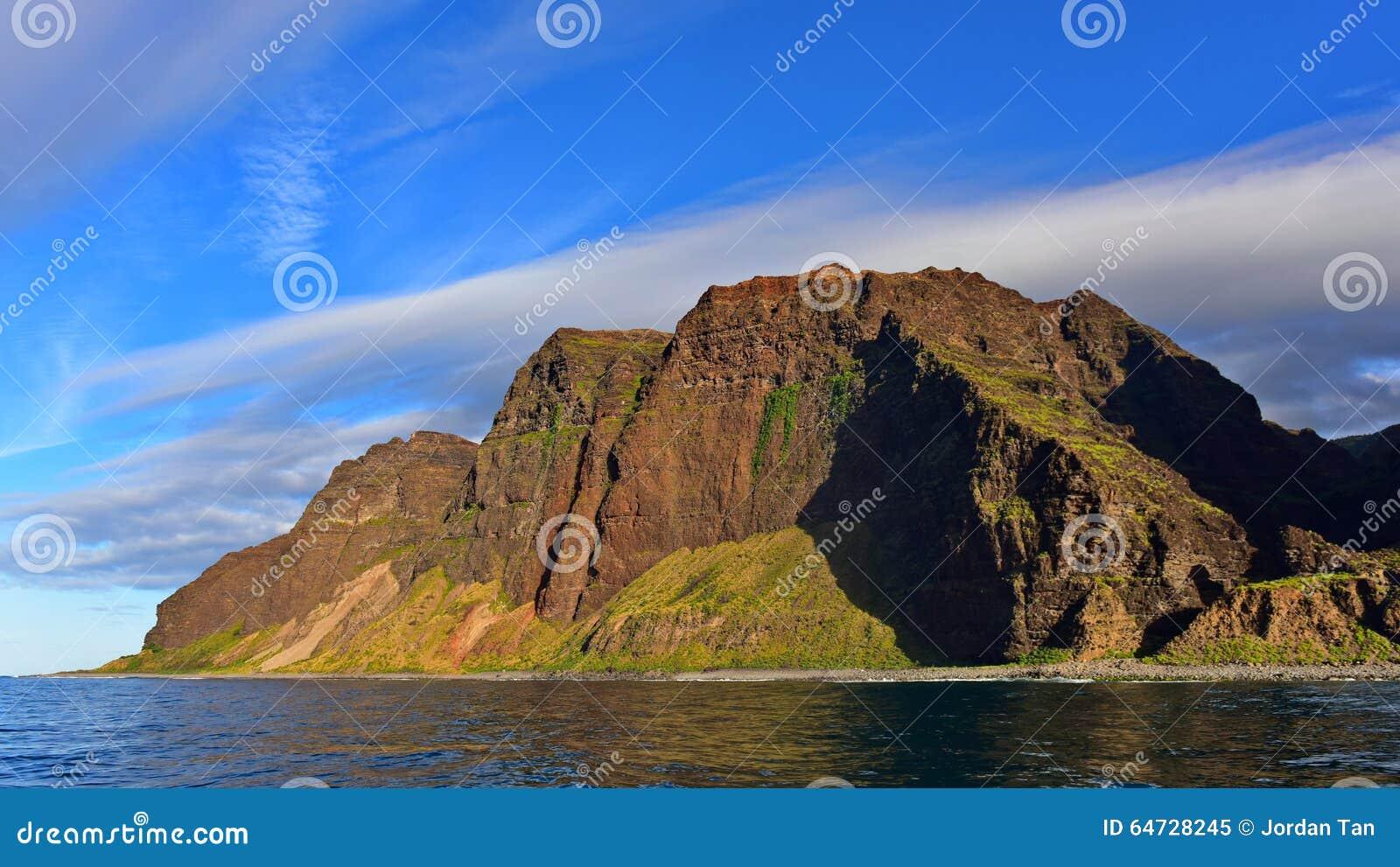Scogliere lungo la costa del Na Pali dell isola di Kauai