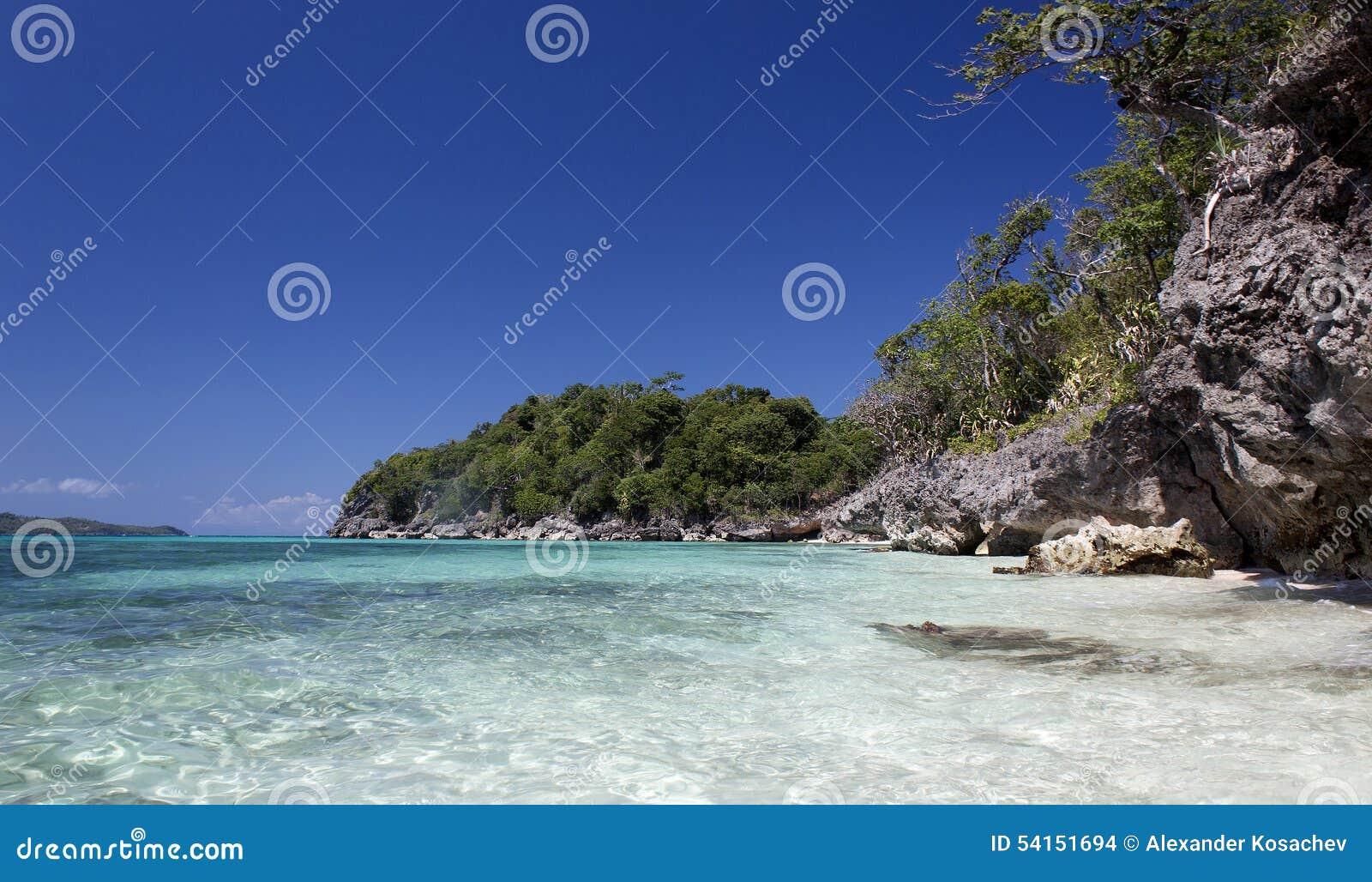 Scogliere vicino a Puka Shell Beach Isola di Boracay