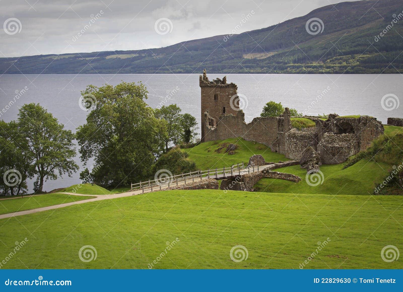 Scotland: Urquhart Castle