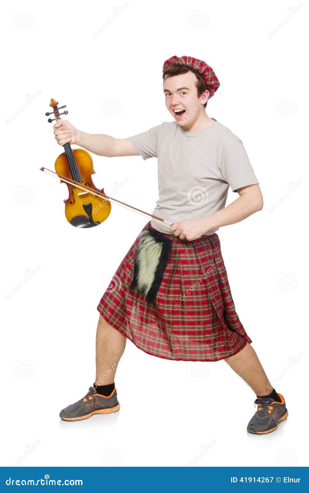 Scotsman divertido con el violín