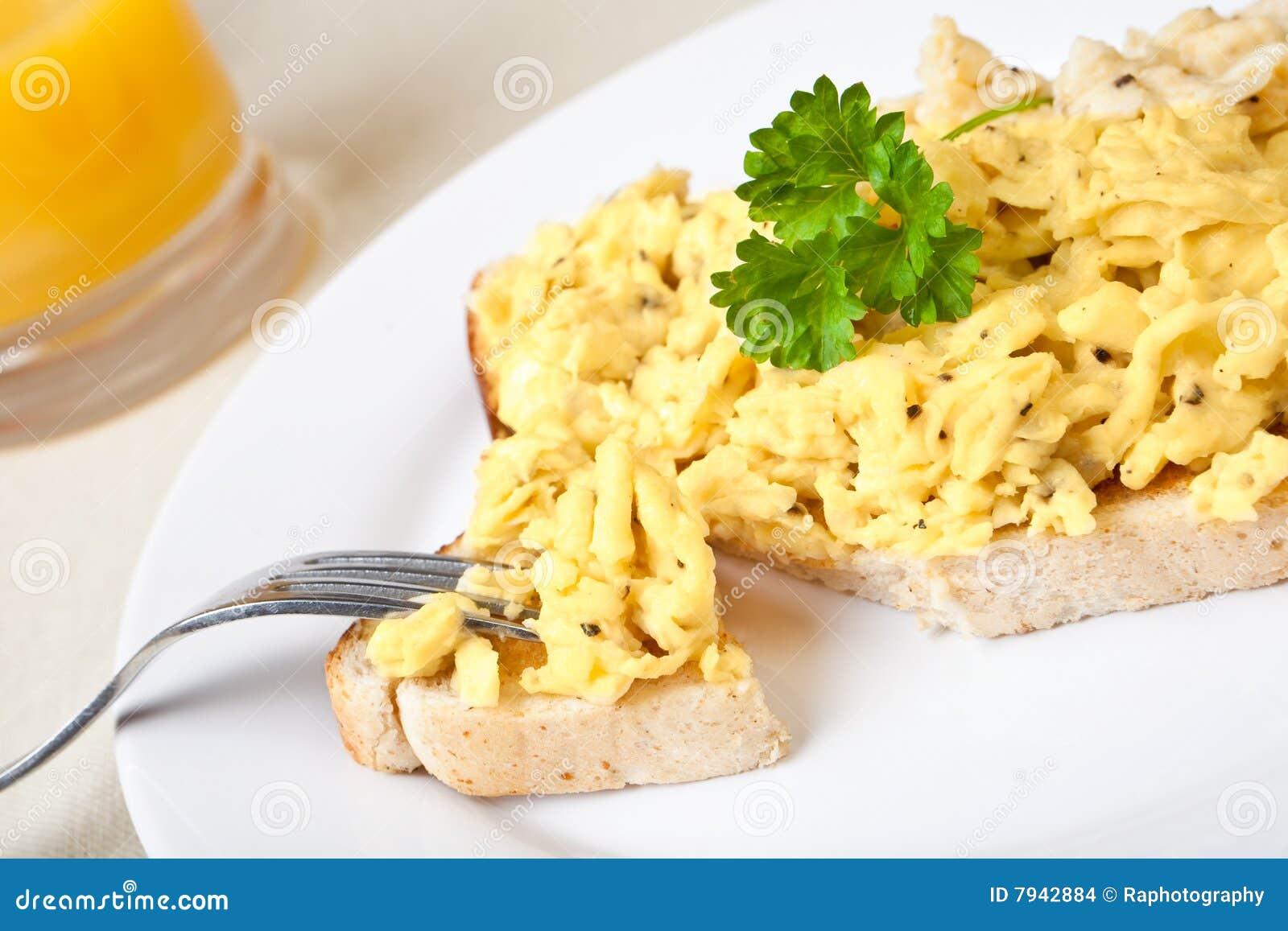 scrambled-egg-toast-7942884.jpg