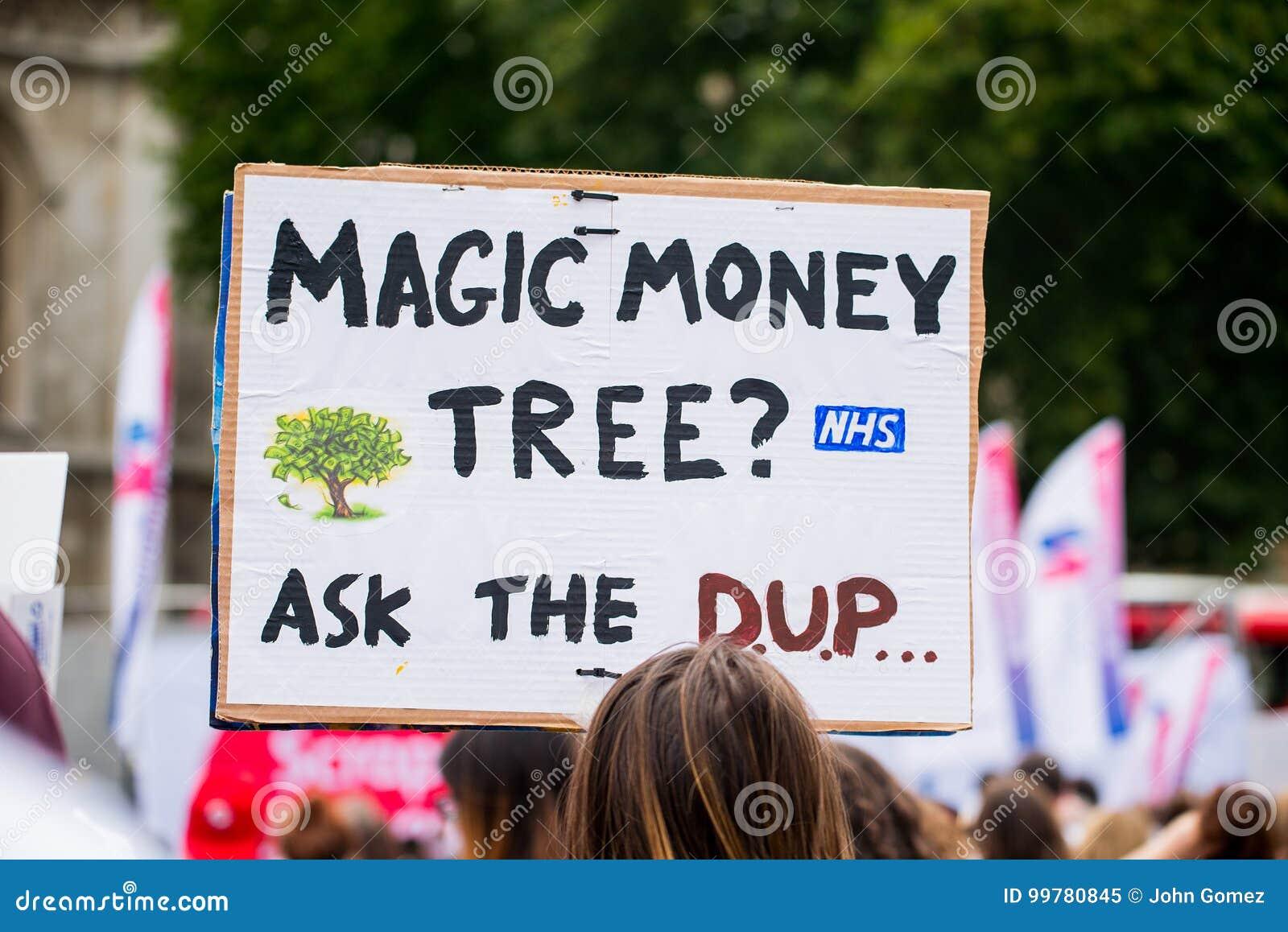 NHS - SCRAP THE CAP PROTEST
