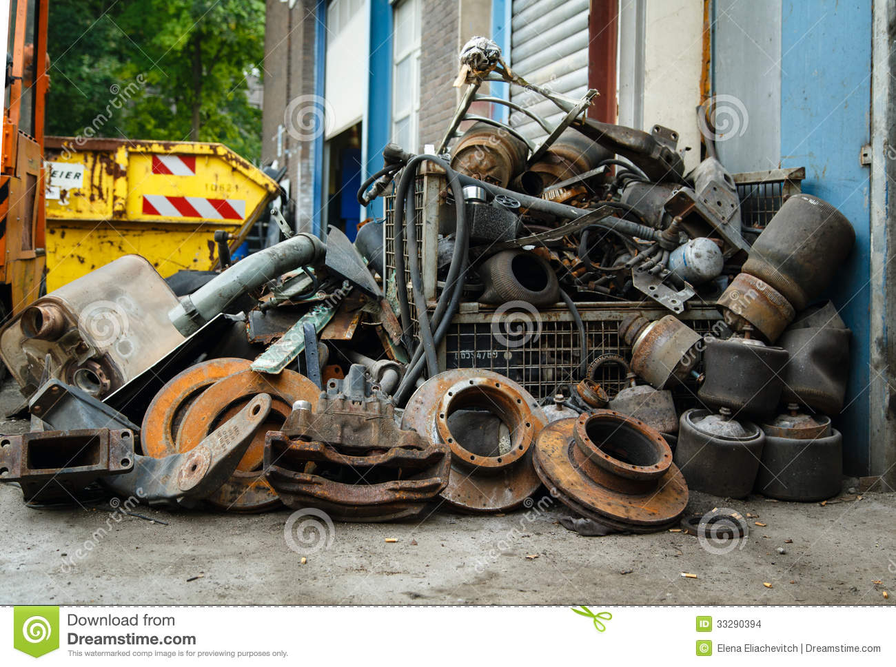 Scrap Metal Old Car Parts Stock Photo Image Of Parts 33290394