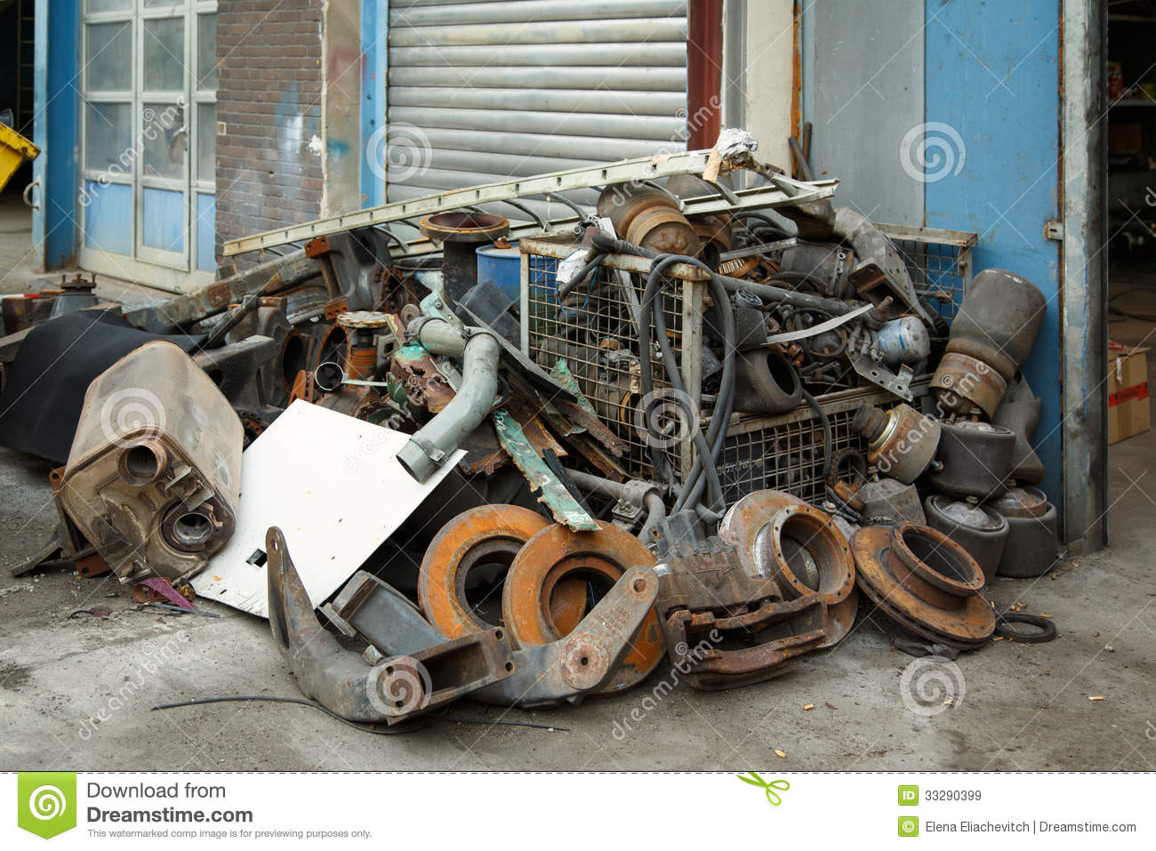 Scrap Metal Old Car Parts Royalty Free Stock Images Image 33290399