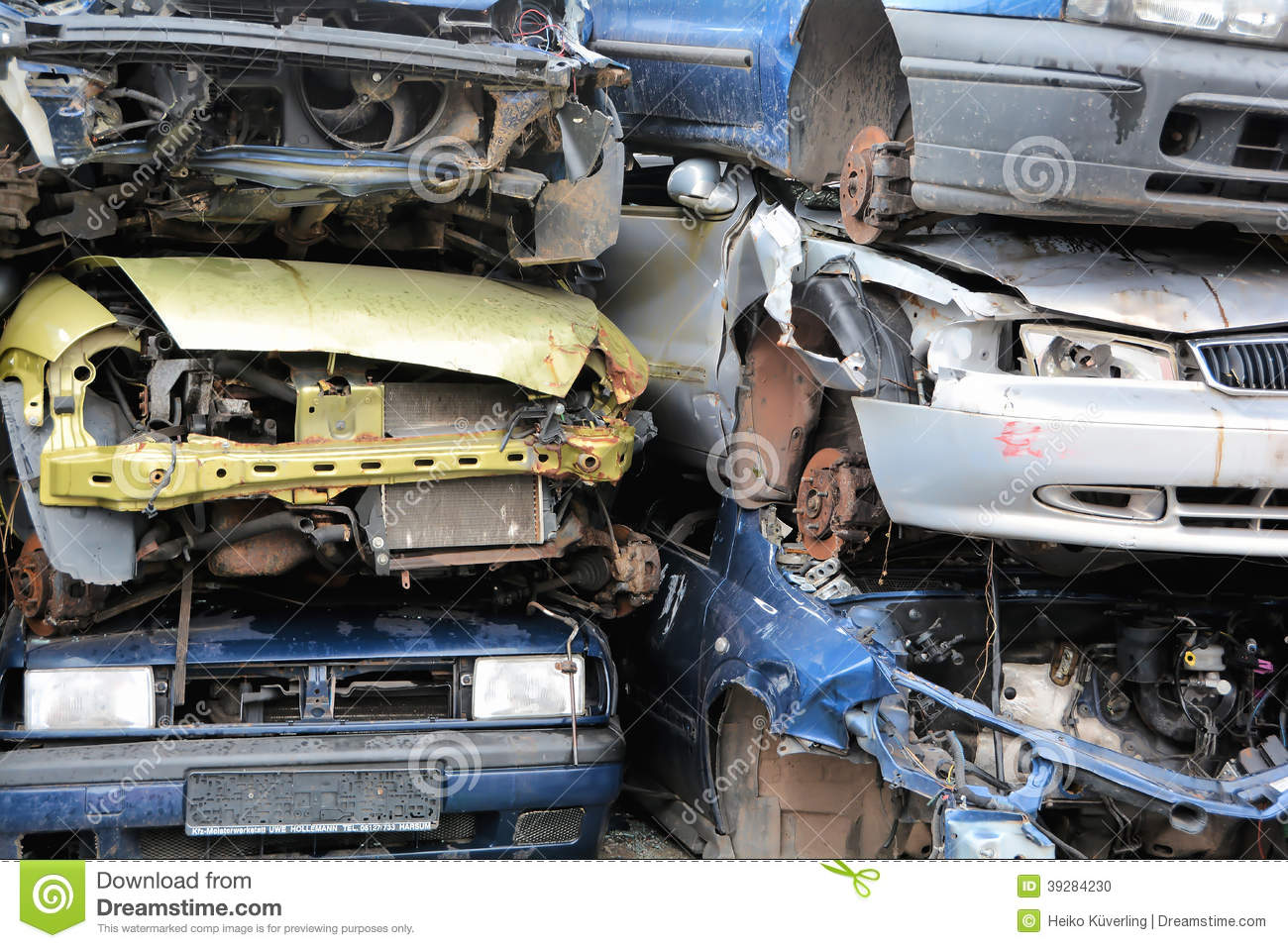 Scrap Yard Stock Photo Image 39284230