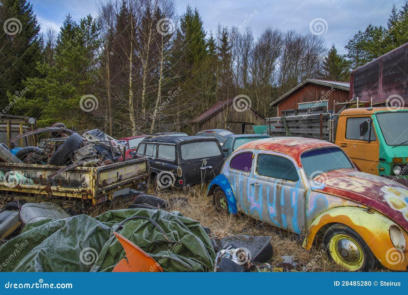 Scrapyard For Cars (volkswagen) Stock Illustration - Illustration of ...