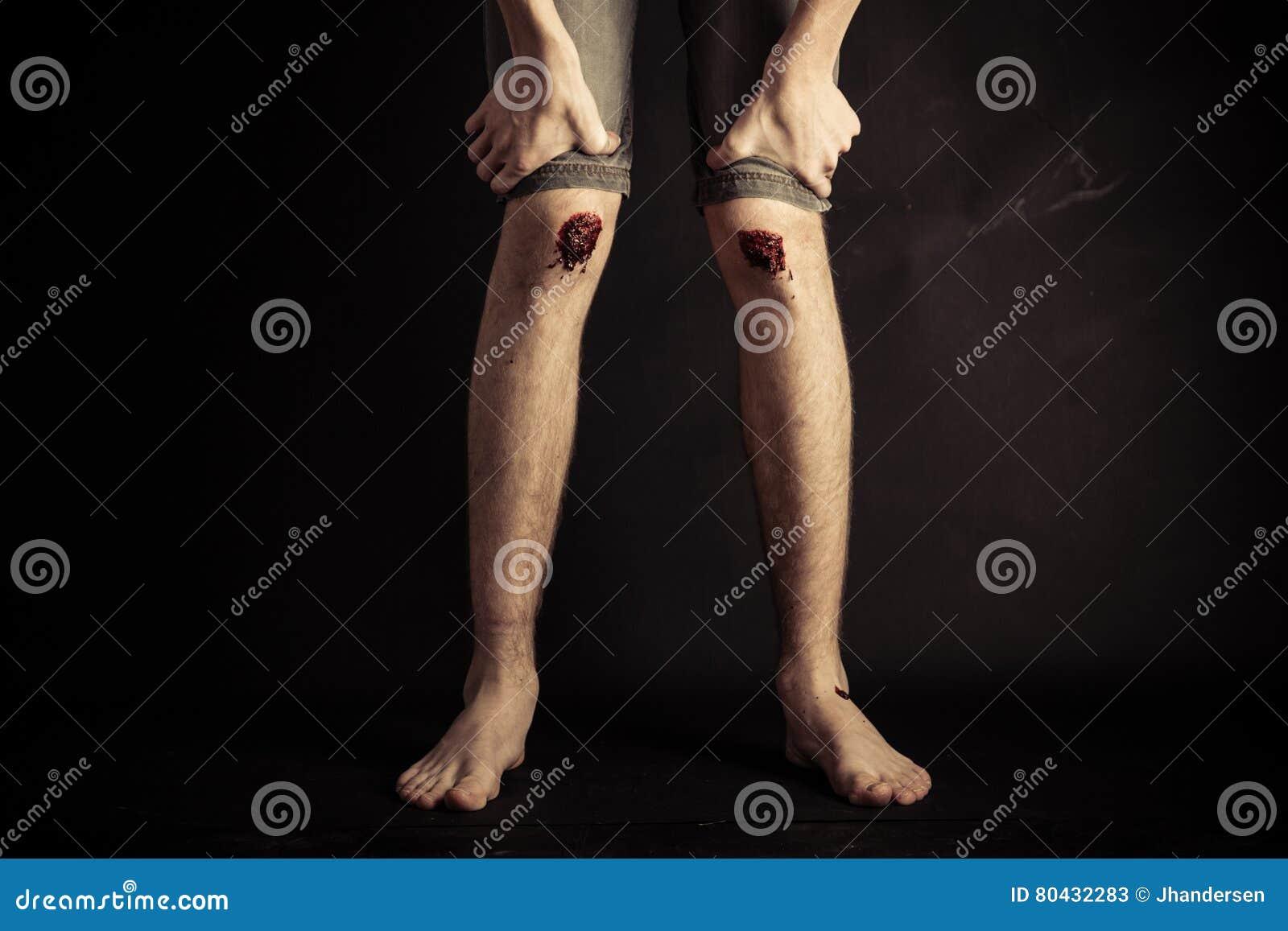 Hand bottom Knees