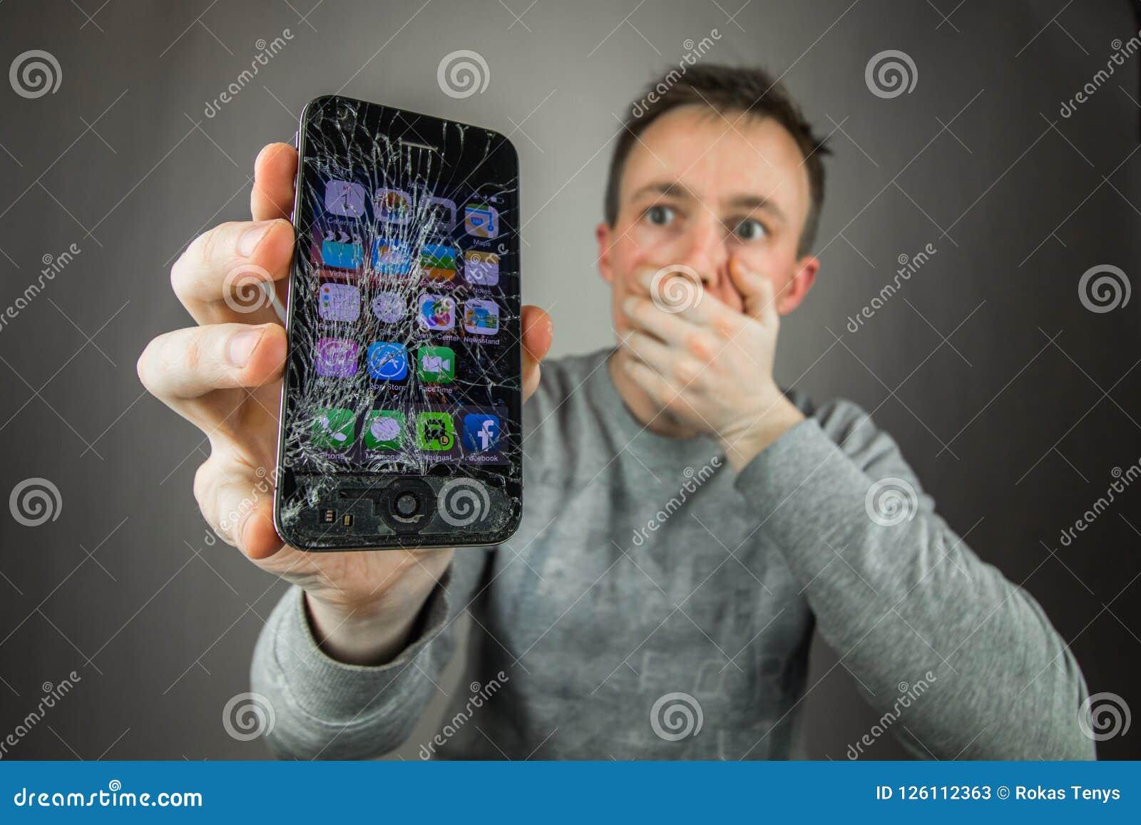 Screen broken smartphone