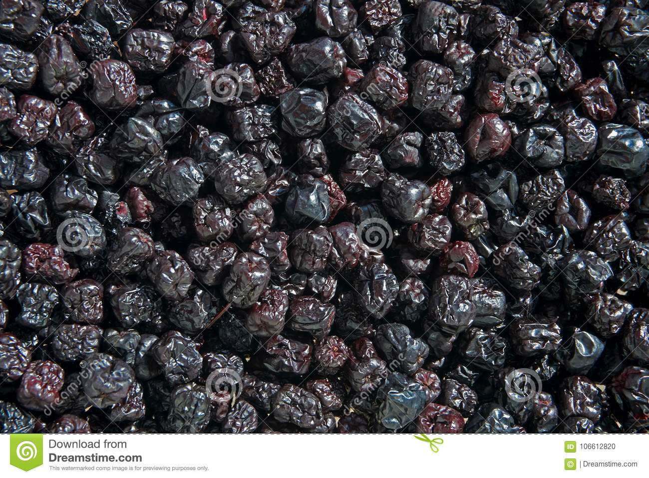 Screen full of dried chokeberryaronia.
