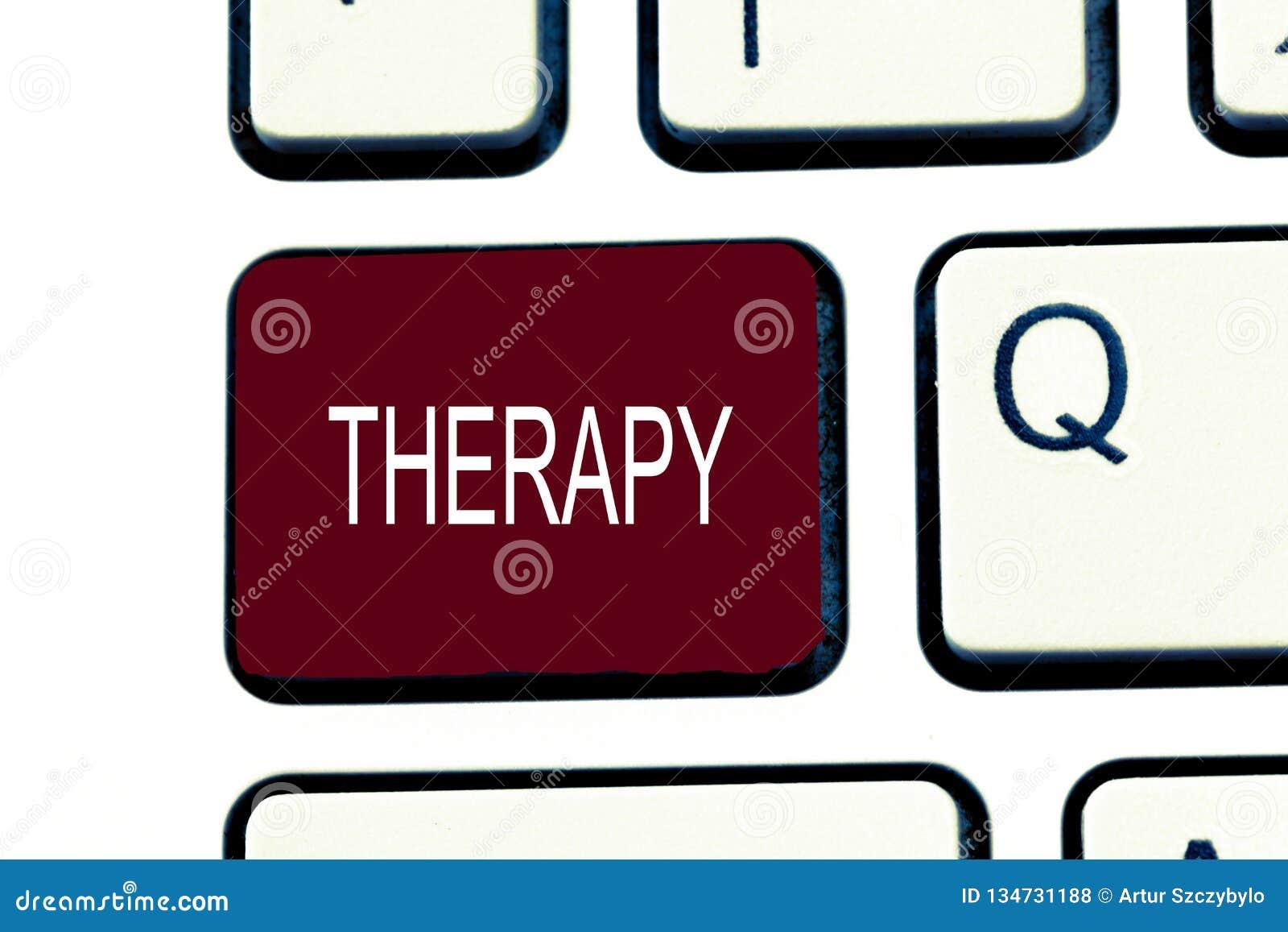 Scrittura concettuale della mano che mostra terapia La foto di affari che montra il trattamento ha inteso alleviare o guarire un