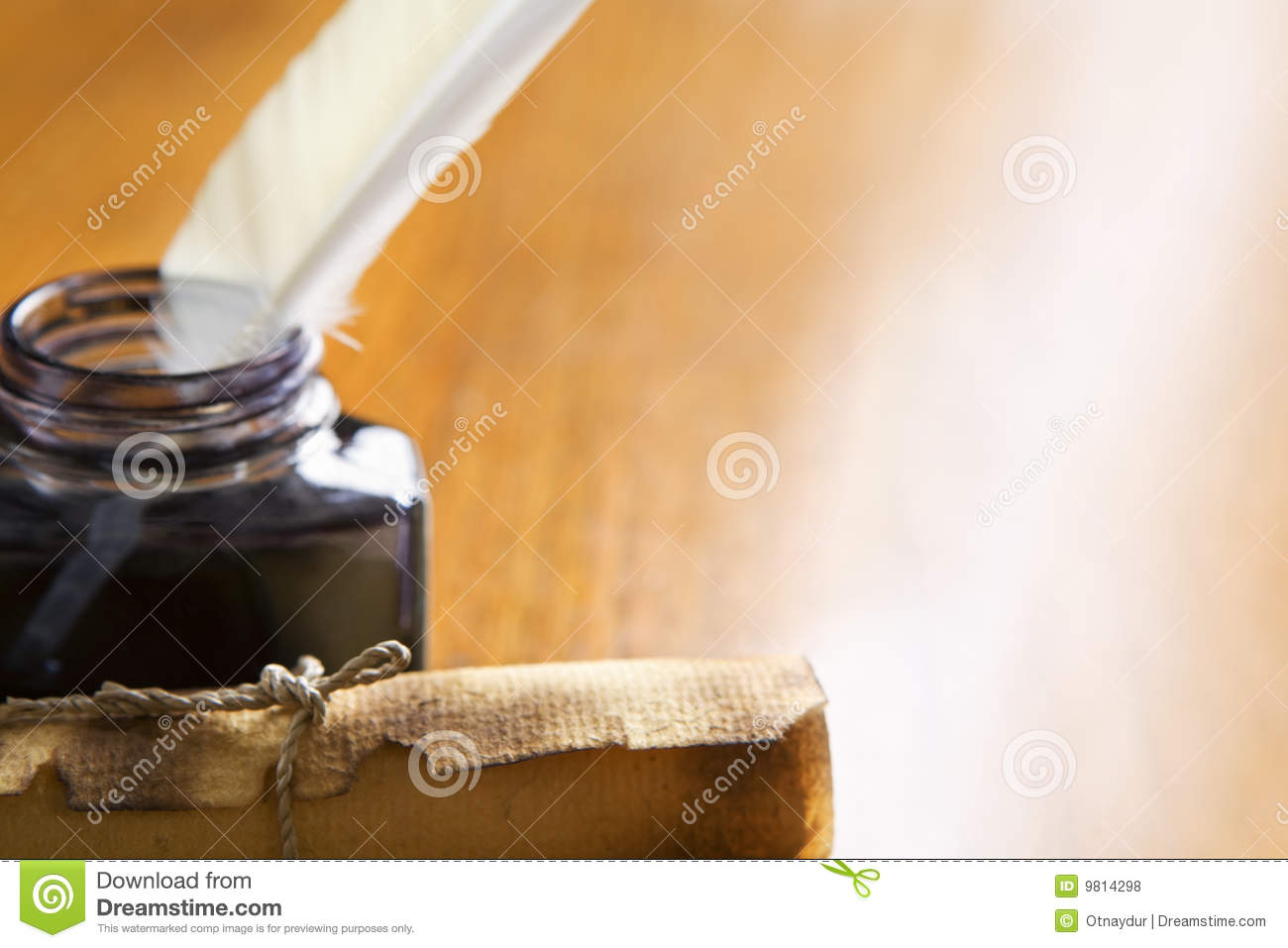 Scroll and quill pen on wooden table royalty free stock for Table th no scroll