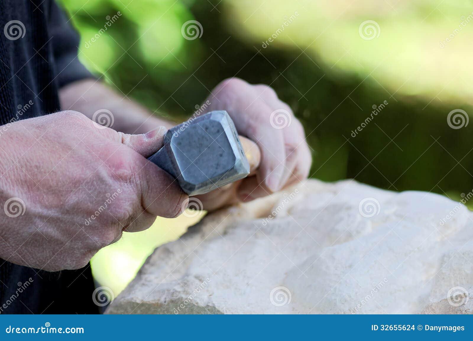 Sculpteur en pierre