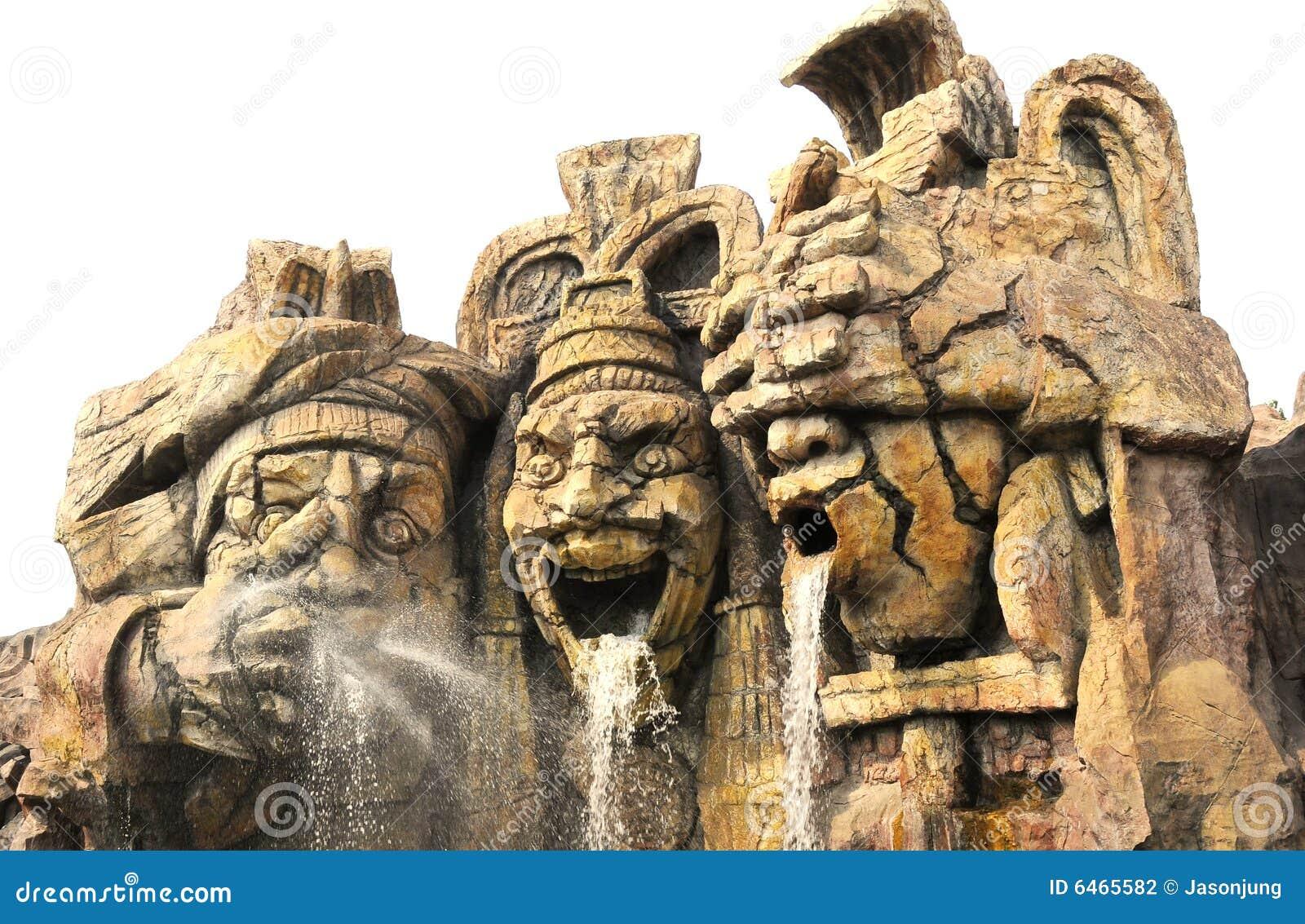 Sculpture de guerrier de Maya