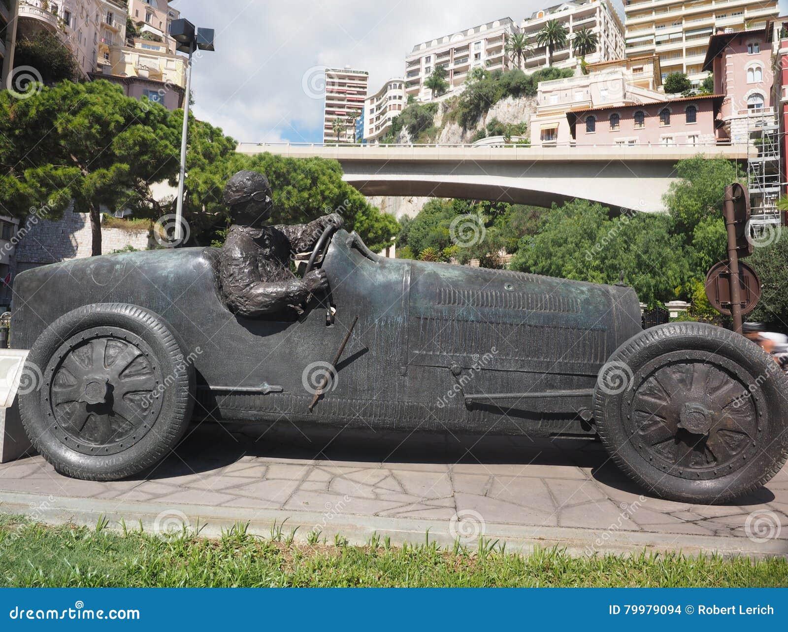 sculpture de voiture de course et de conducteur monte carlo monaco photo stock image du. Black Bedroom Furniture Sets. Home Design Ideas