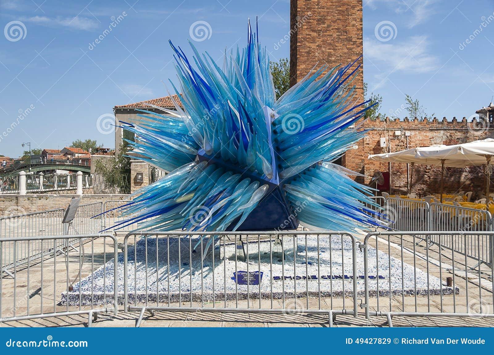 sculpture en verre bleue dans murano venise italie image stock ditorial image 49427829. Black Bedroom Furniture Sets. Home Design Ideas