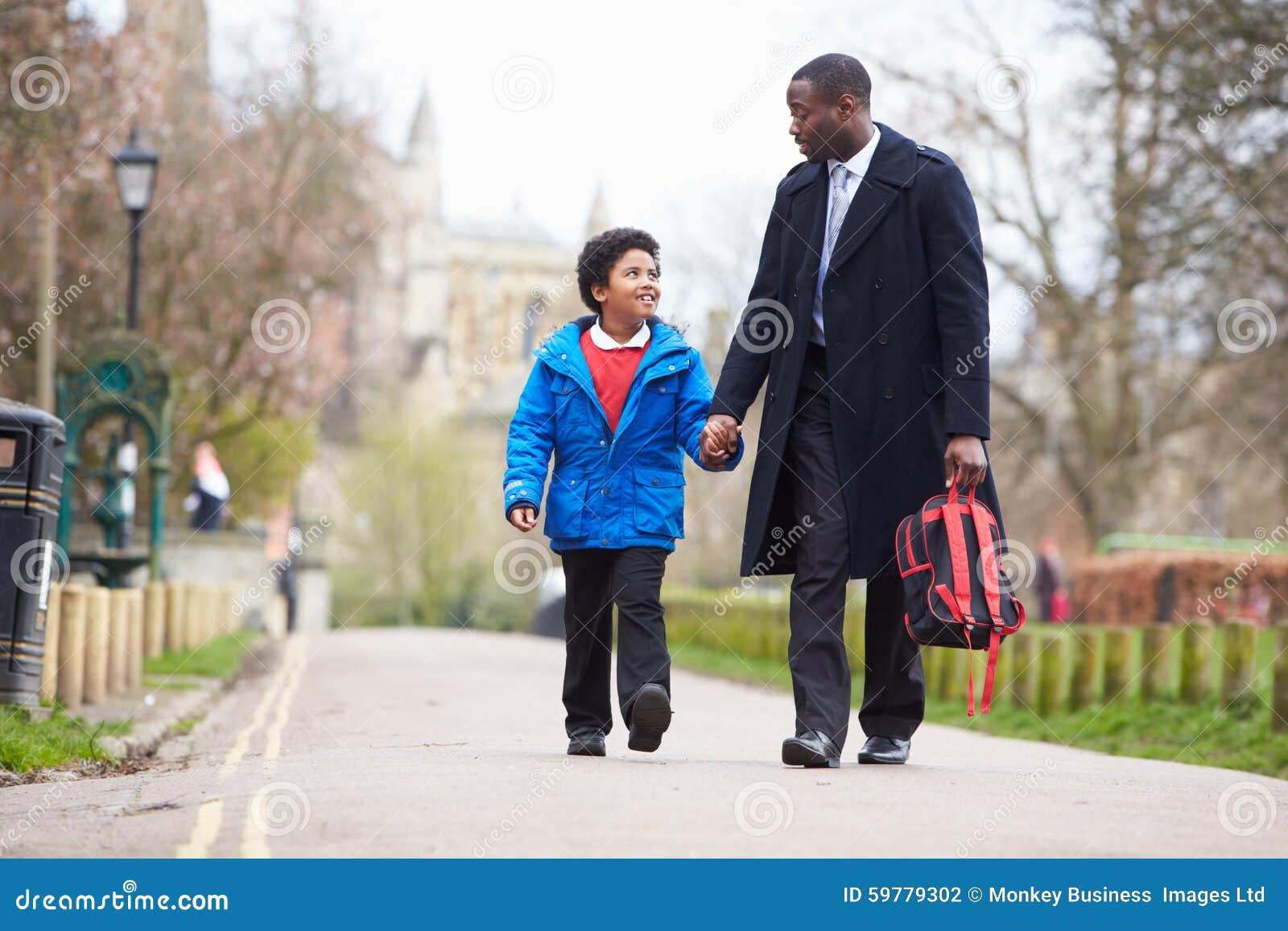 Scuola di Walking Son To del padre lungo il percorso