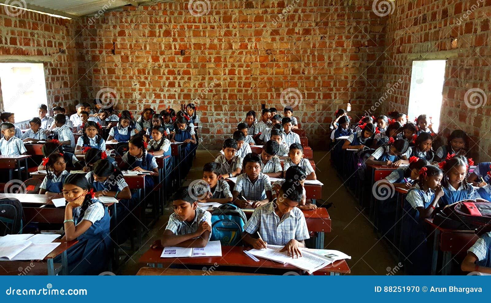 Scuola tribale in India