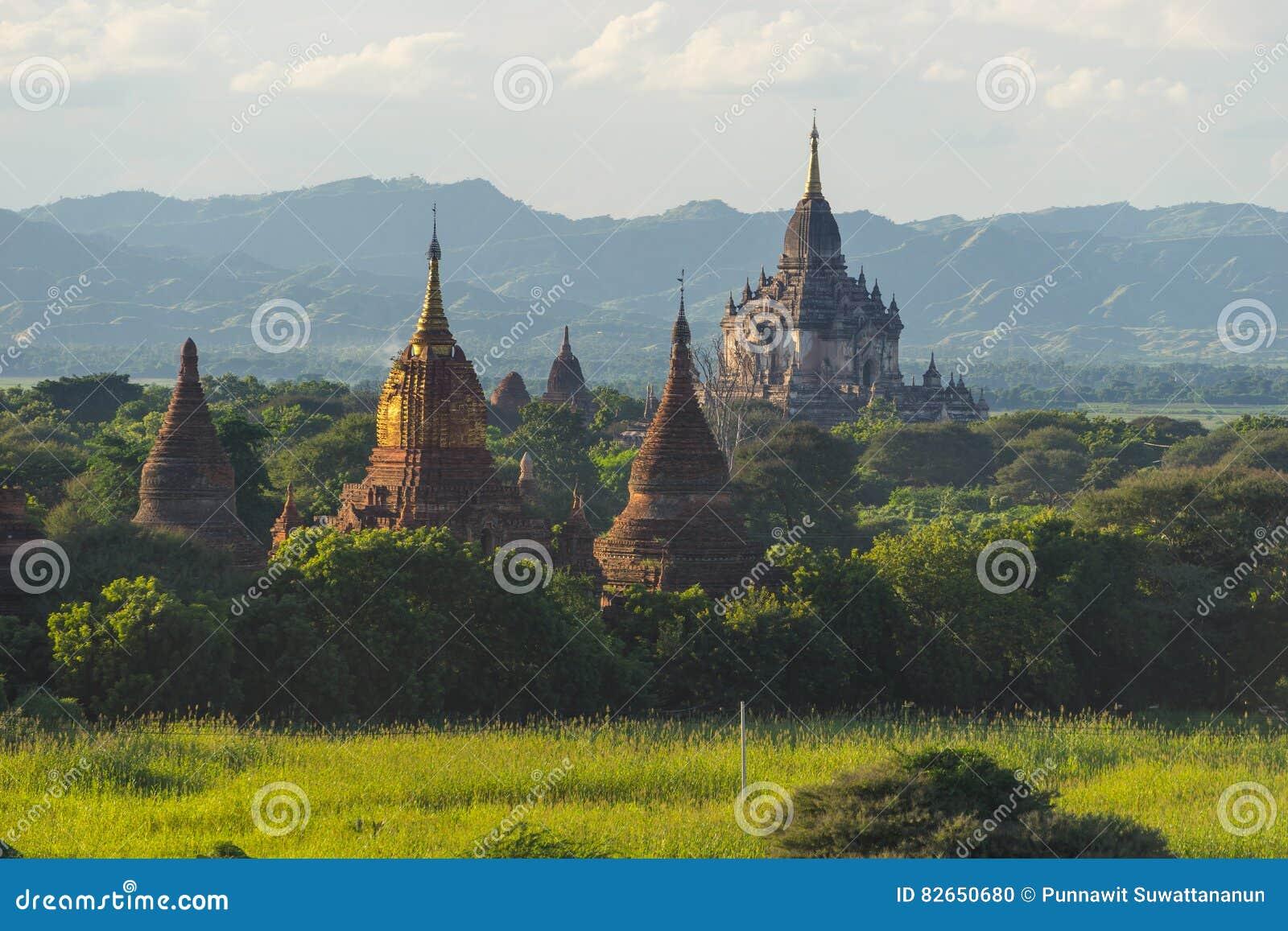 Señal del templo de Shwegugyi de la ciudad antigua de Bagan, Mandalay, Myanm