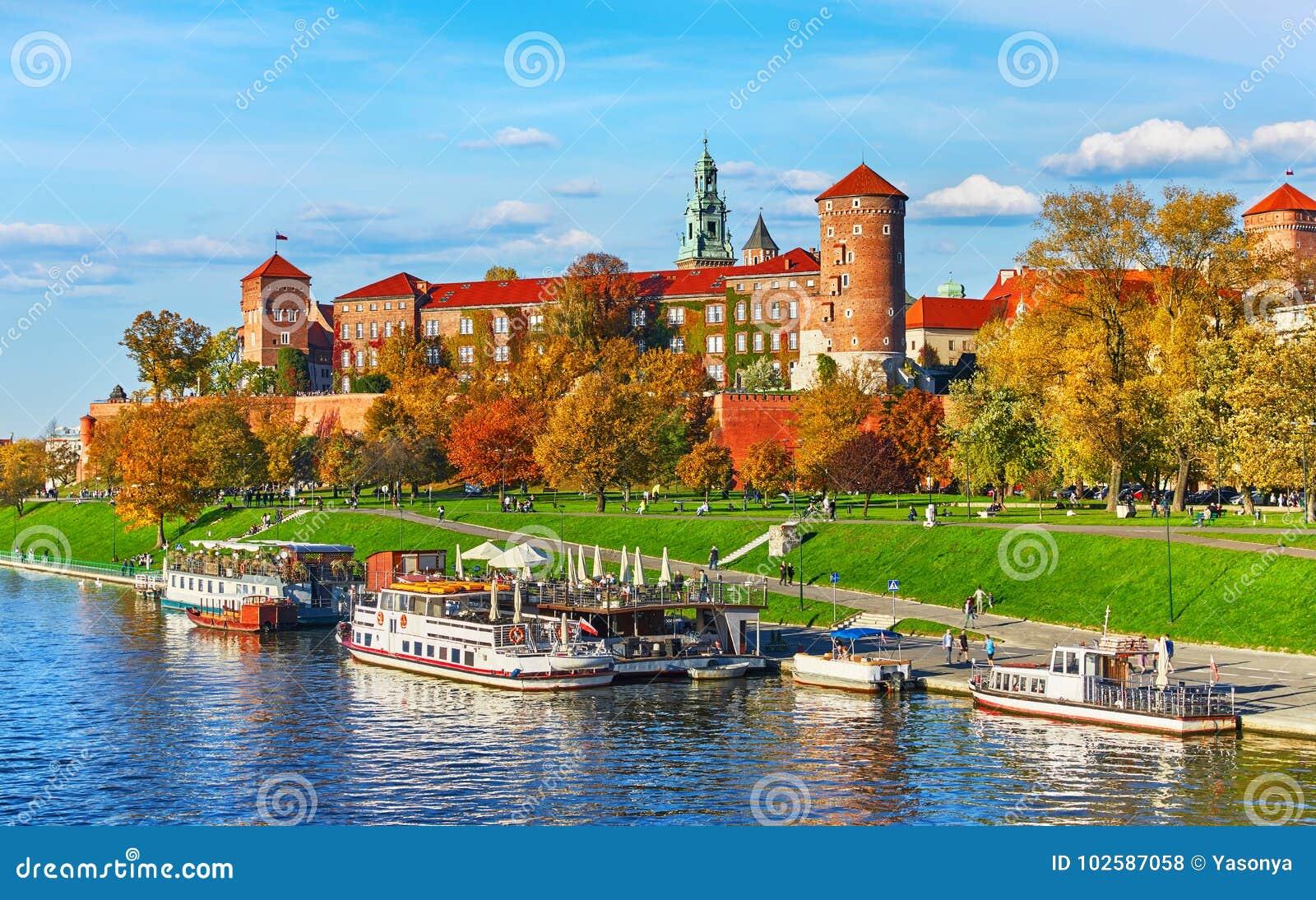 Señal famosa del castillo de Wawel en Kraków Polonia