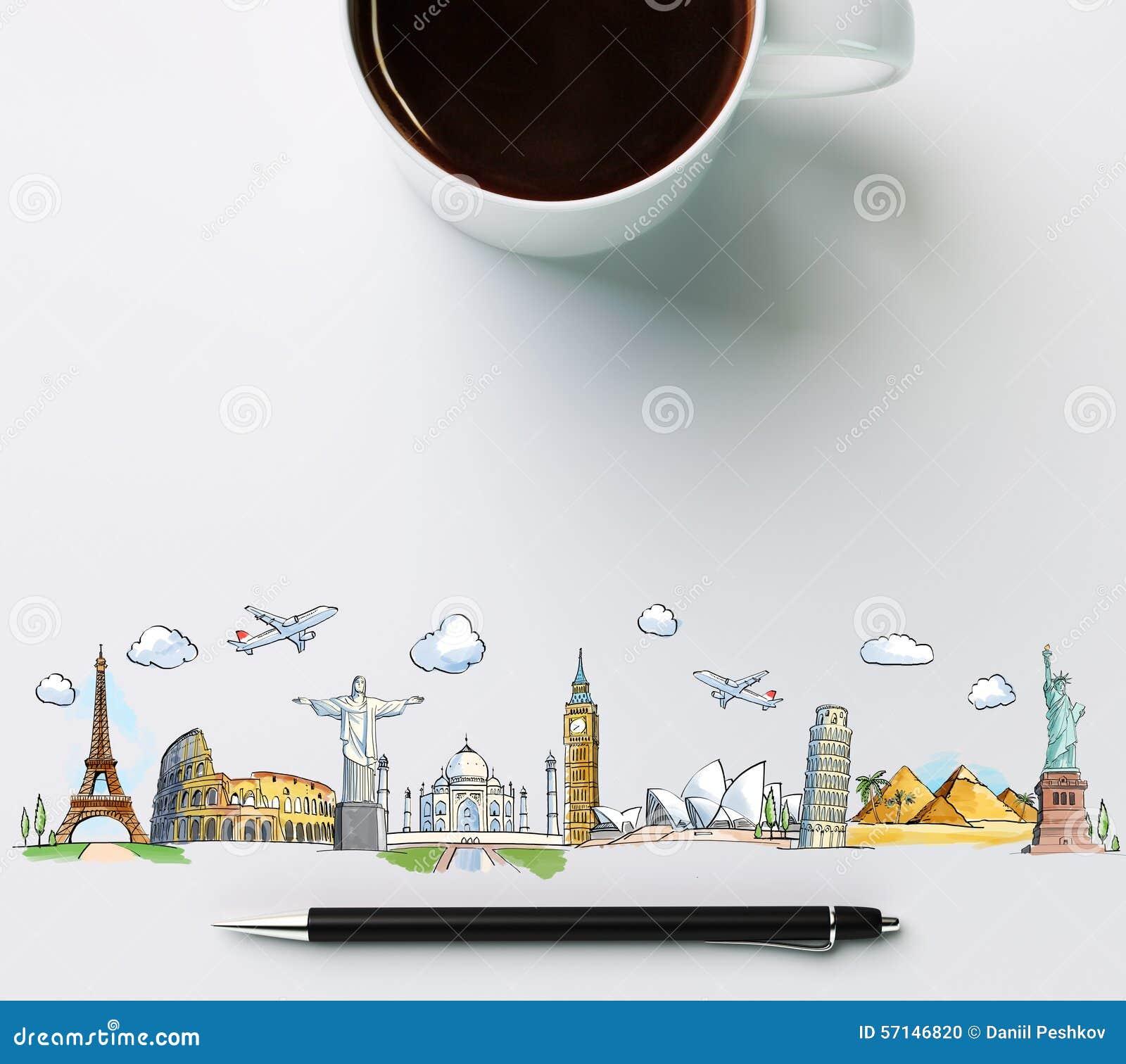 Señales del viaje con la taza de café y de pluma